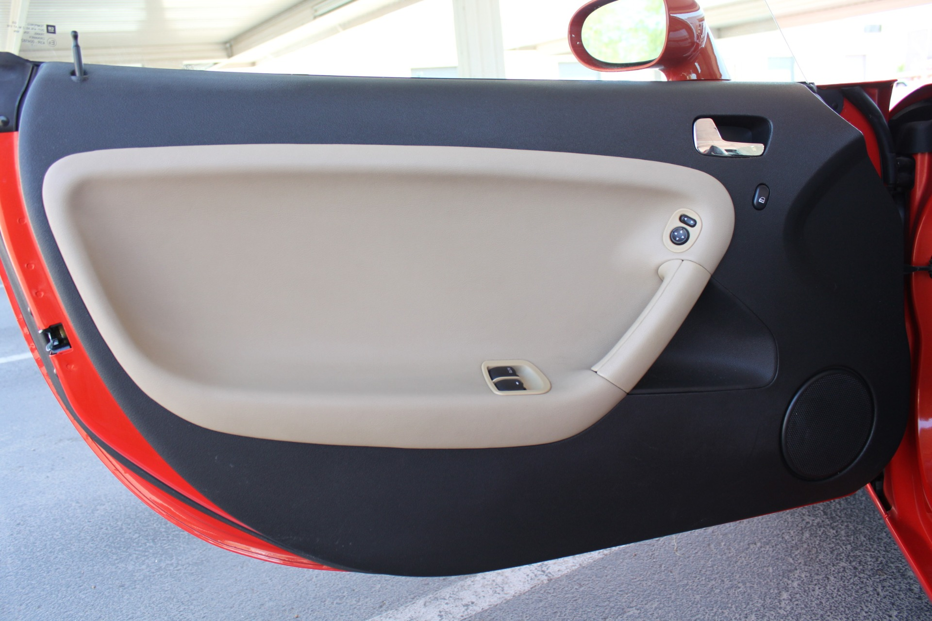 Used-2008-Pontiac-Solstice-vintage