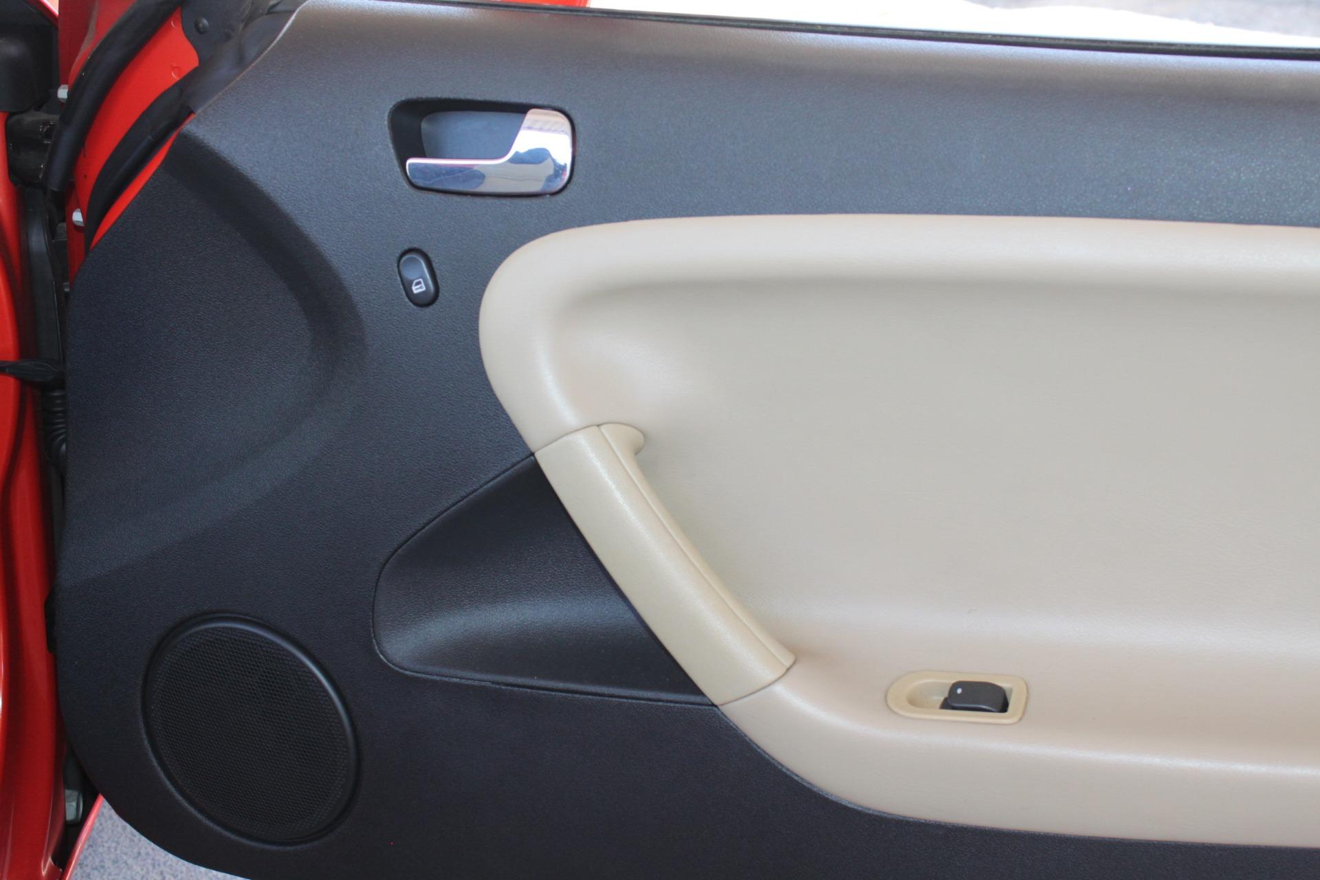 Used-2008-Pontiac-Solstice-Fiat