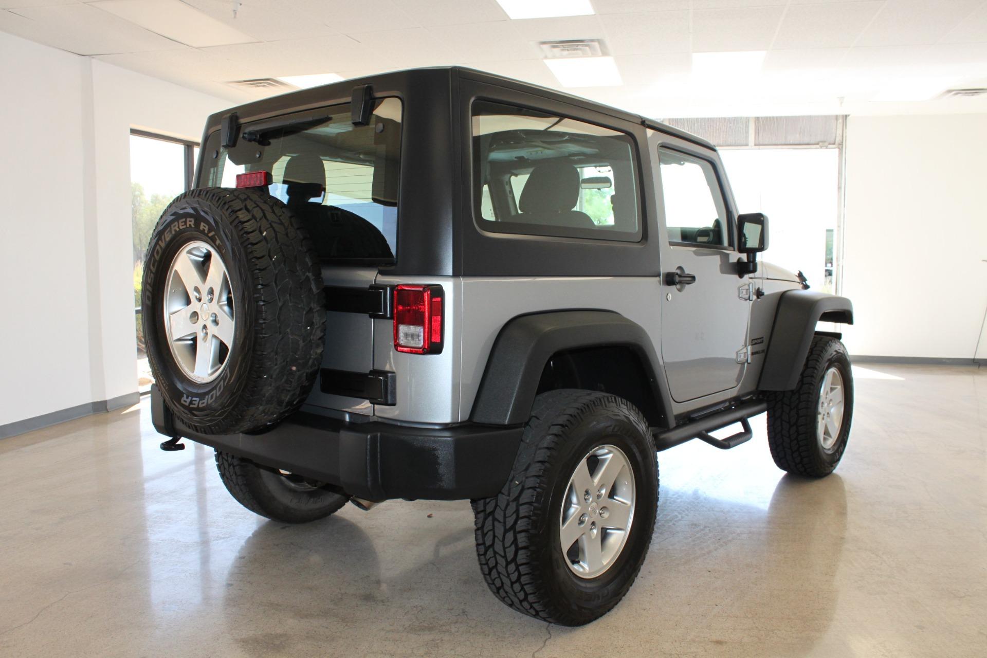 Used-2014-Jeep-Wrangler-Sport-4X4-Hard-Top-Classic