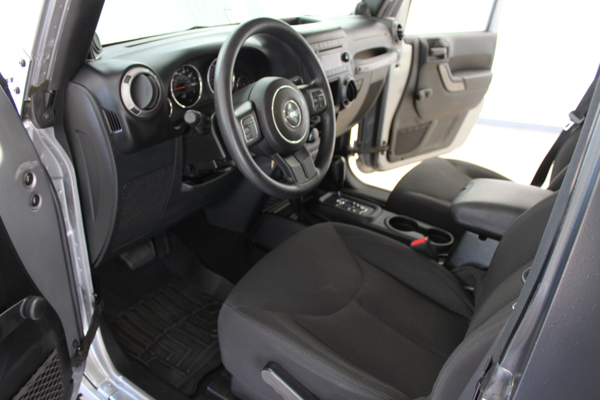 Used-2014-Jeep-Wrangler-Sport-4X4-Hard-Top-Collector