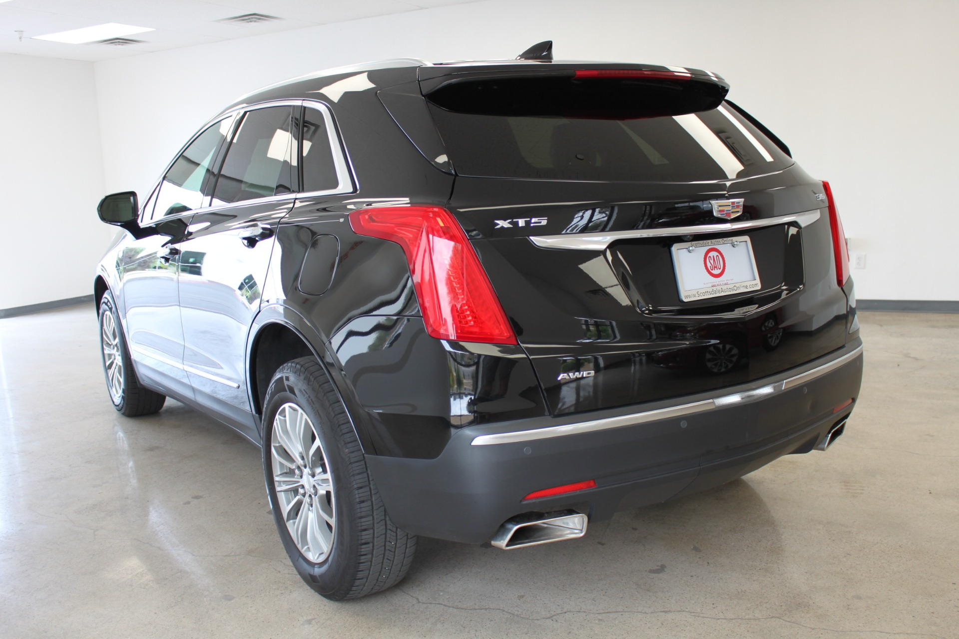 Used-2017-Cadillac-XT5-Luxury-All-Wheel-Drive-Luxury-AWD-Grand-Wagoneer