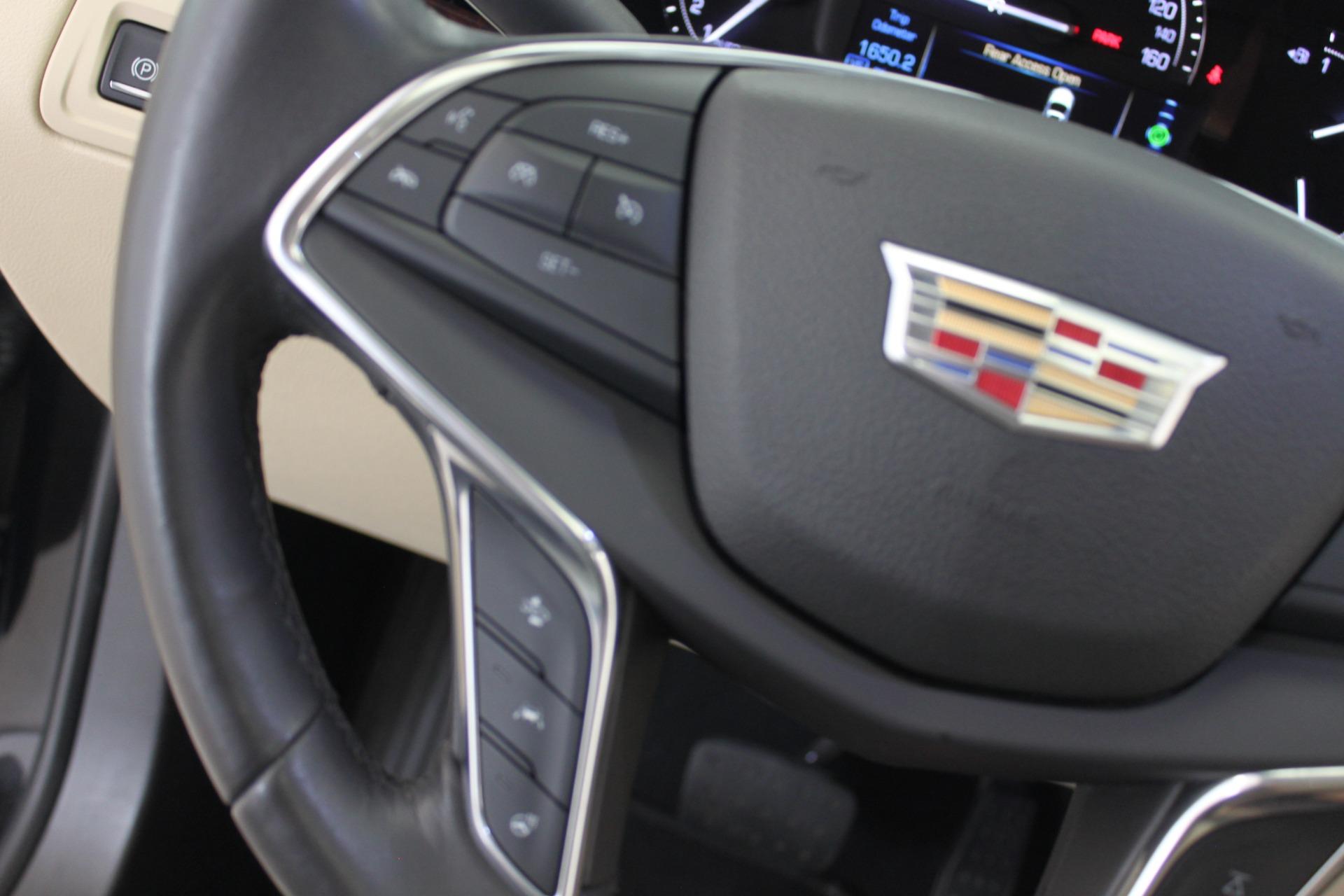 Used-2017-Cadillac-XT5-Luxury-All-Wheel-Drive-Luxury-AWD-Classic