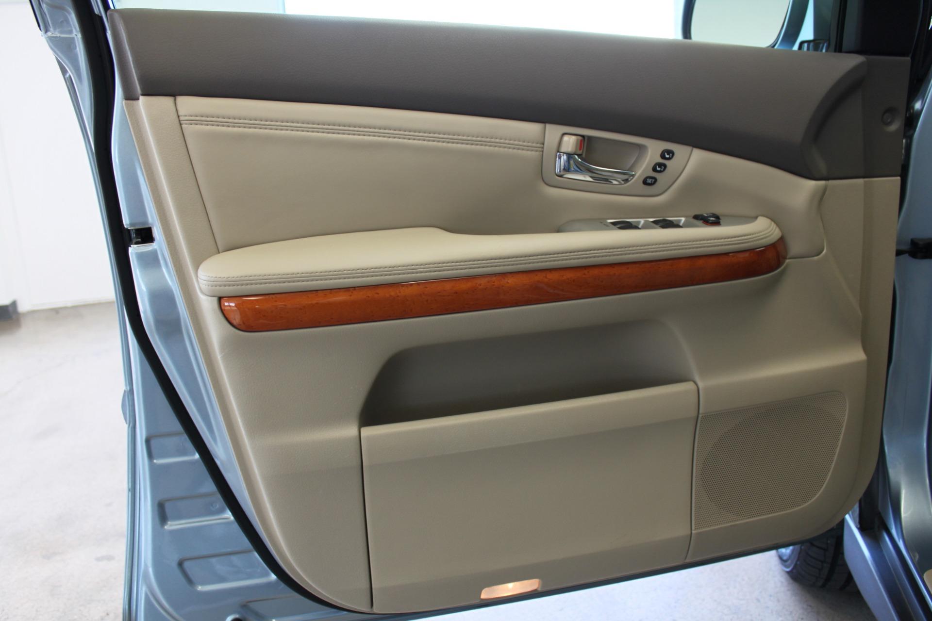 Used-2008-Lexus-RX-350-Ferrari