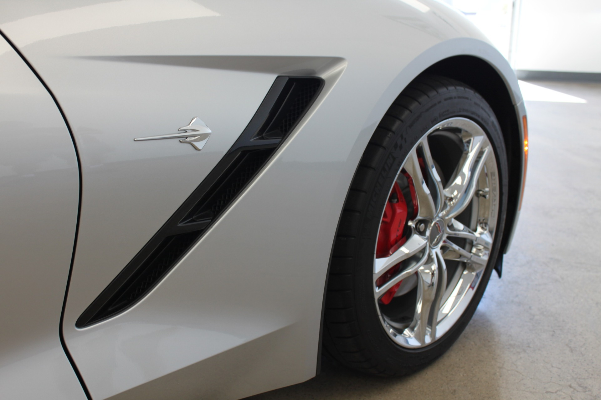 Used-2016-Chevrolet-Corvette-2LT-Jeep