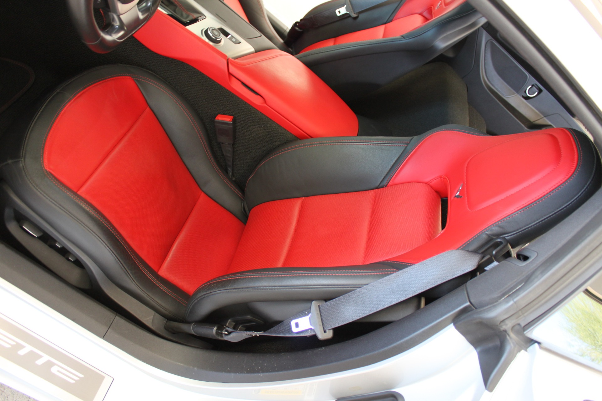 Used-2016-Chevrolet-Corvette-2LT-BMW