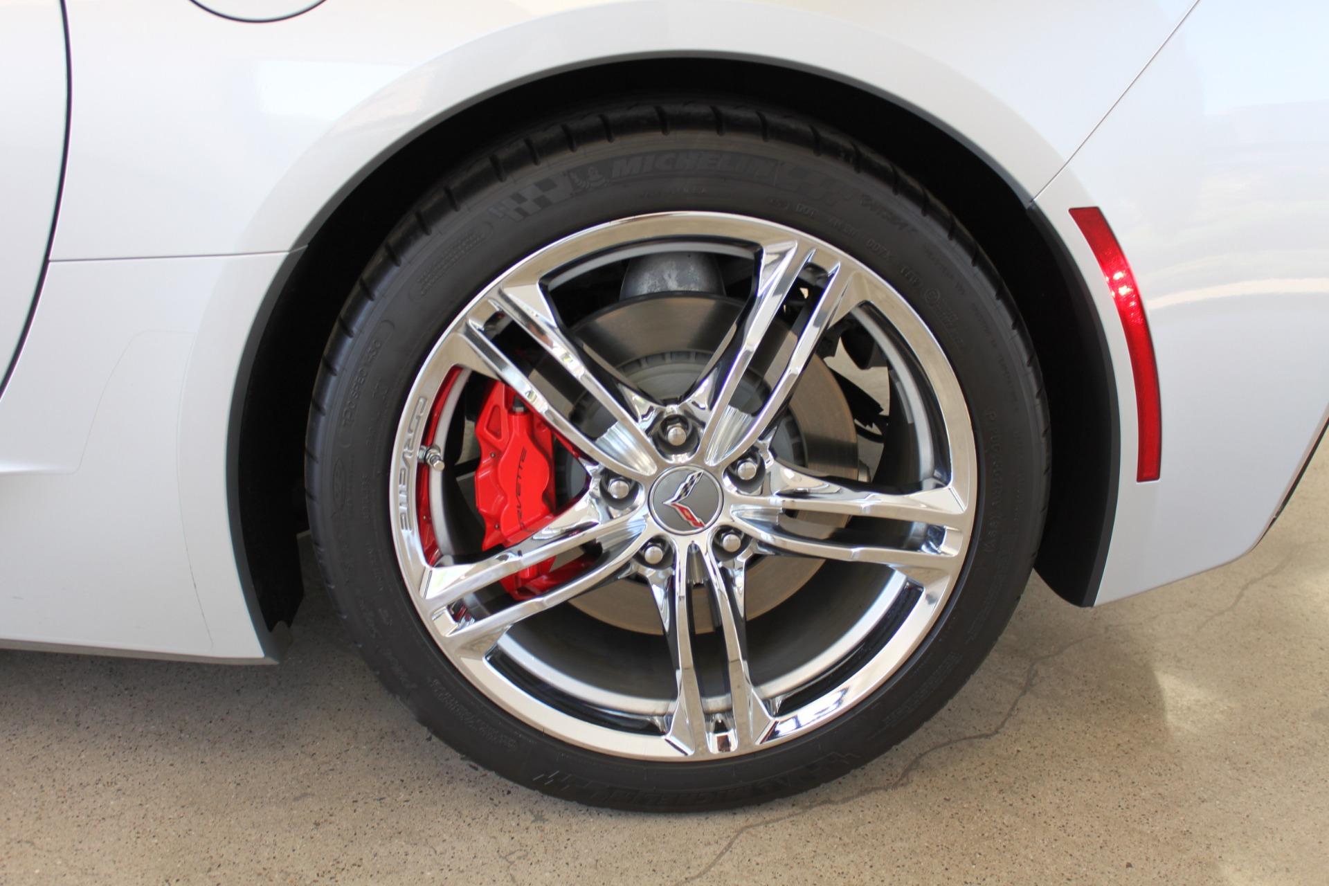 Used-2016-Chevrolet-Corvette-2LT-Grand-Cherokee