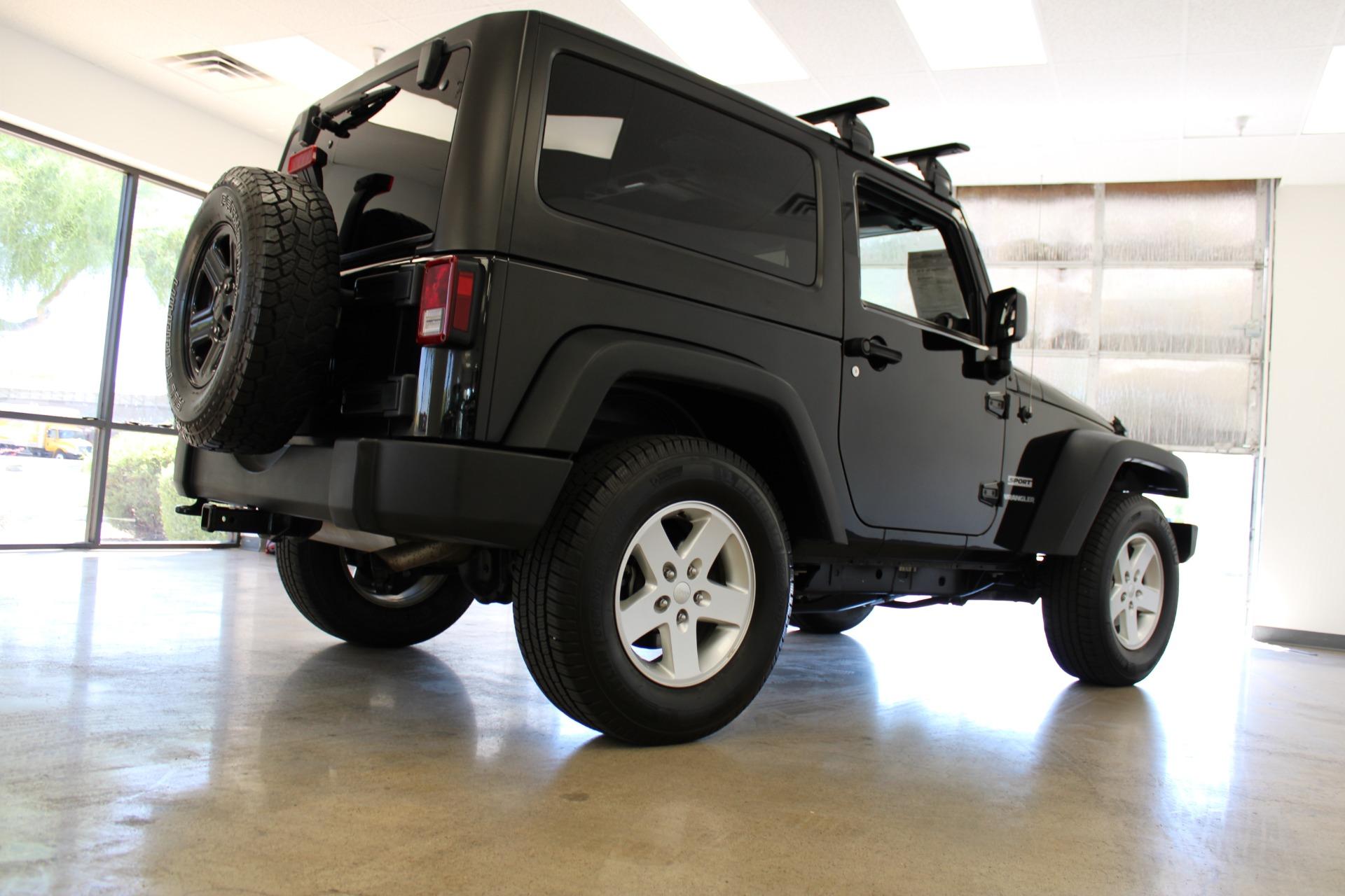 Used-2015-Jeep-Wrangler-Sport-LS400