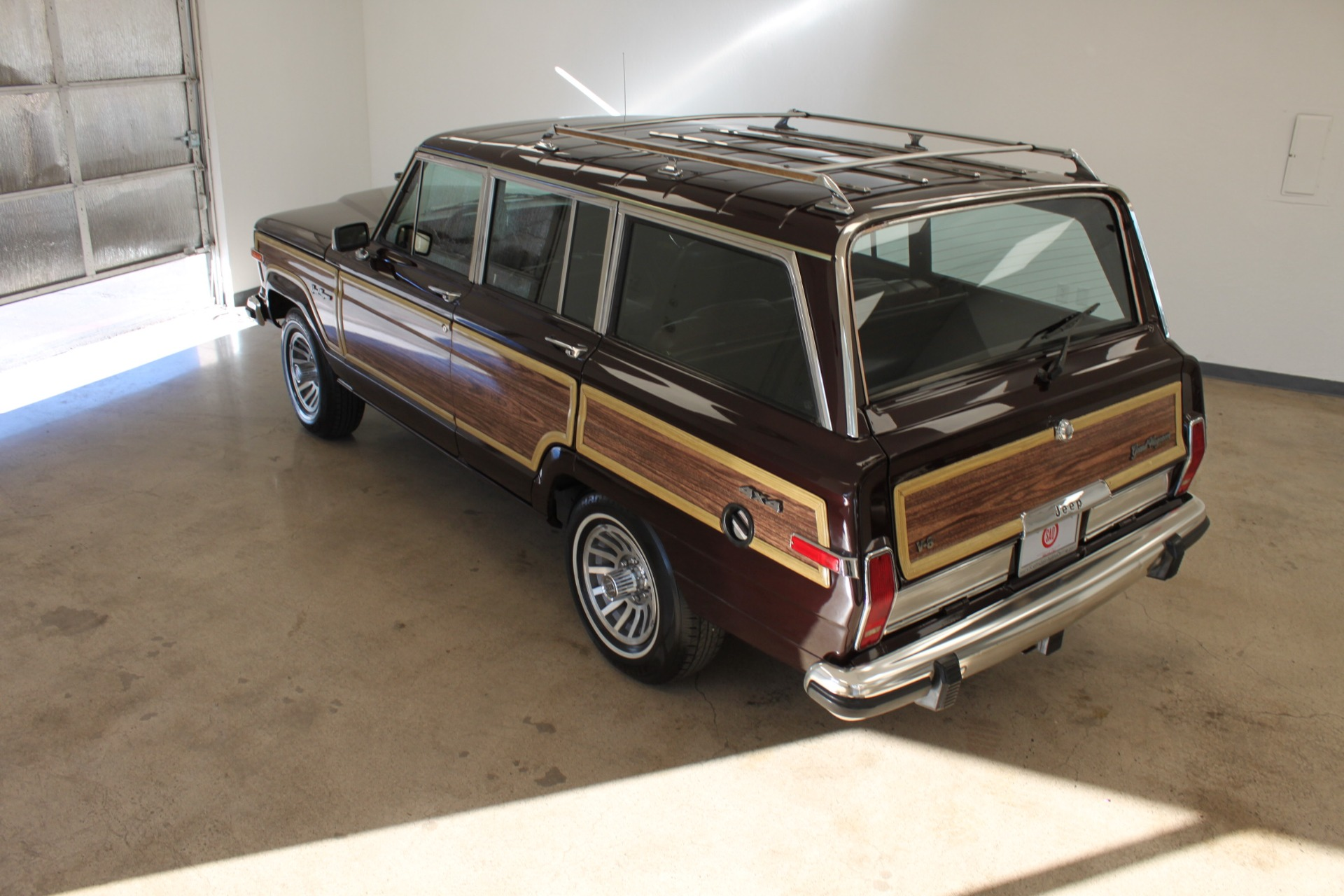 Used-1989-Jeep-Grand-Wagoneer-Limited-4X4-Audi