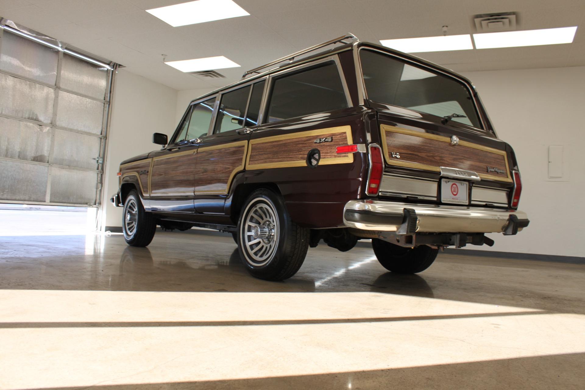 Used-1989-Jeep-Grand-Wagoneer-Limited-4X4-New-Ferrari-Lake-County
