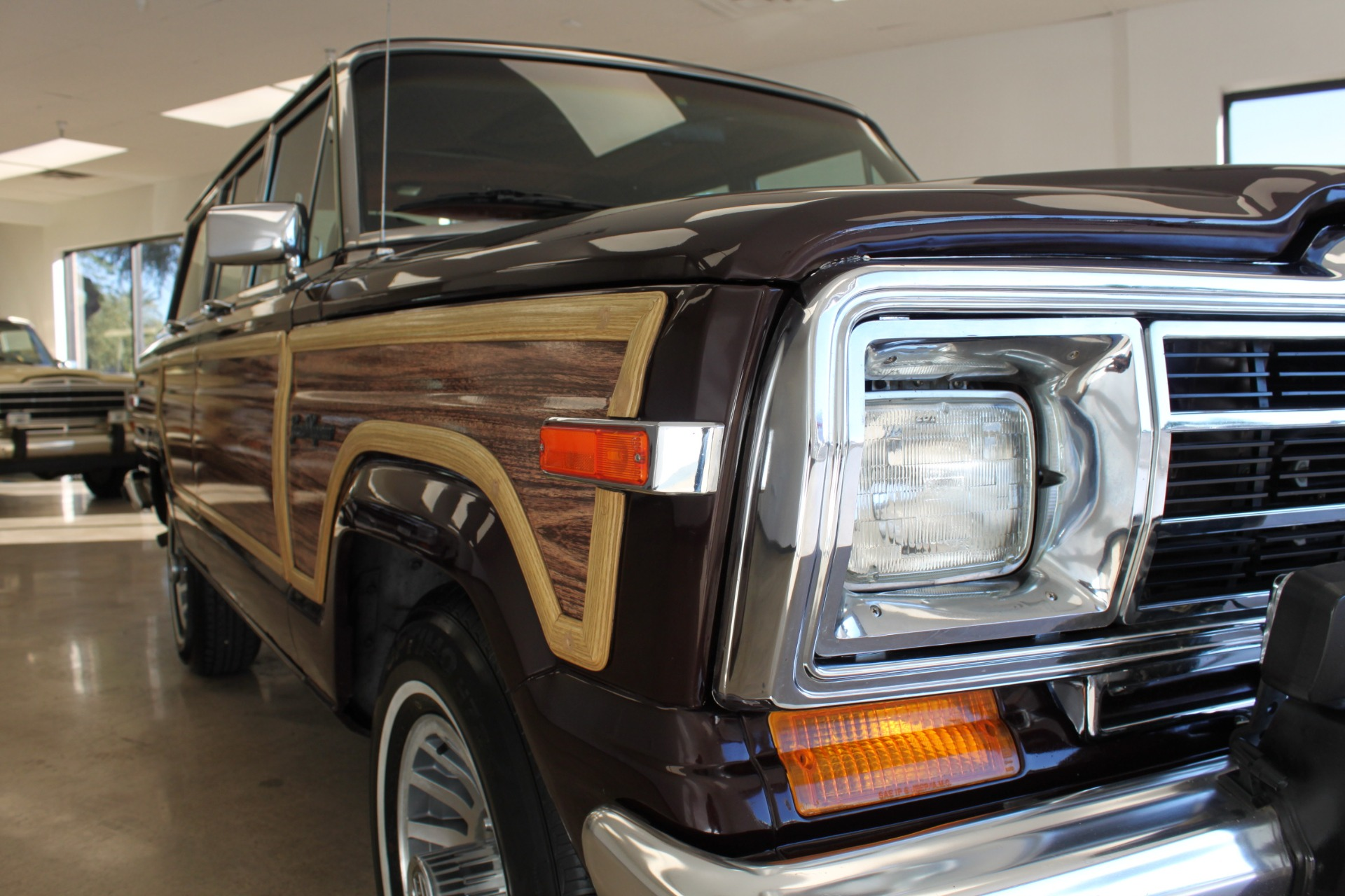 Used-1989-Jeep-Grand-Wagoneer-Limited-4X4-Camaro