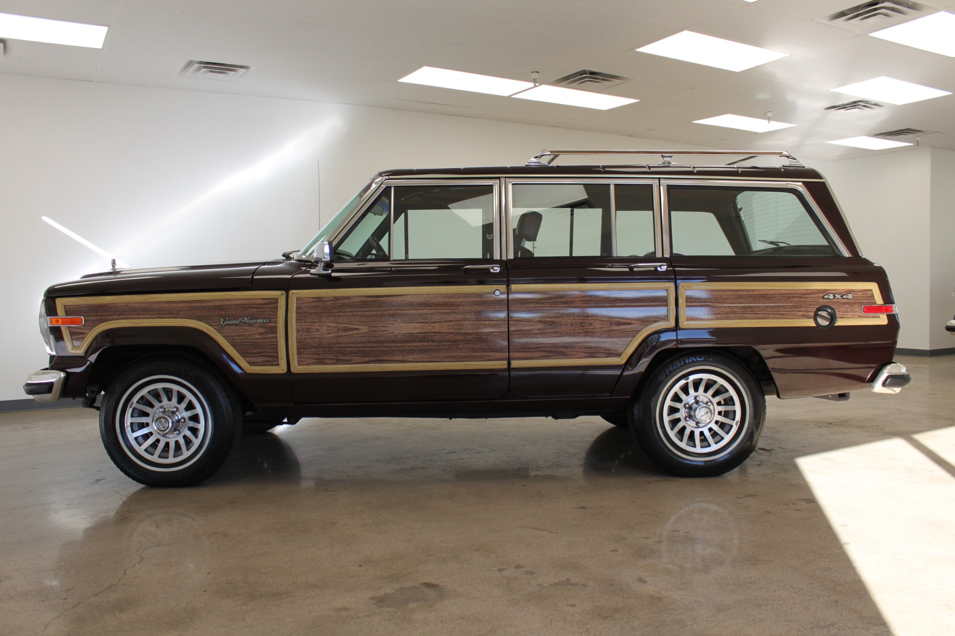 Used-1989-Jeep-Grand-Wagoneer-Limited-4X4-Wagoneer