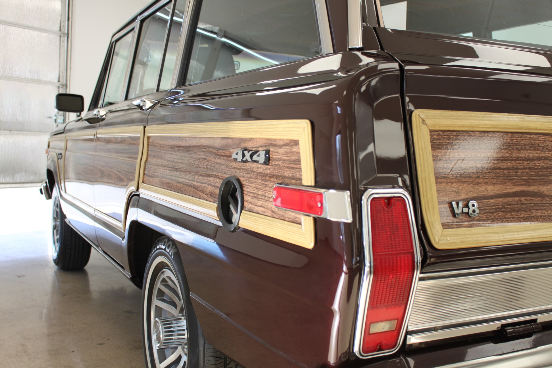 Used-1989-Jeep-Grand-Wagoneer-Limited-4X4-Used-cars-for-sale-Lake-County