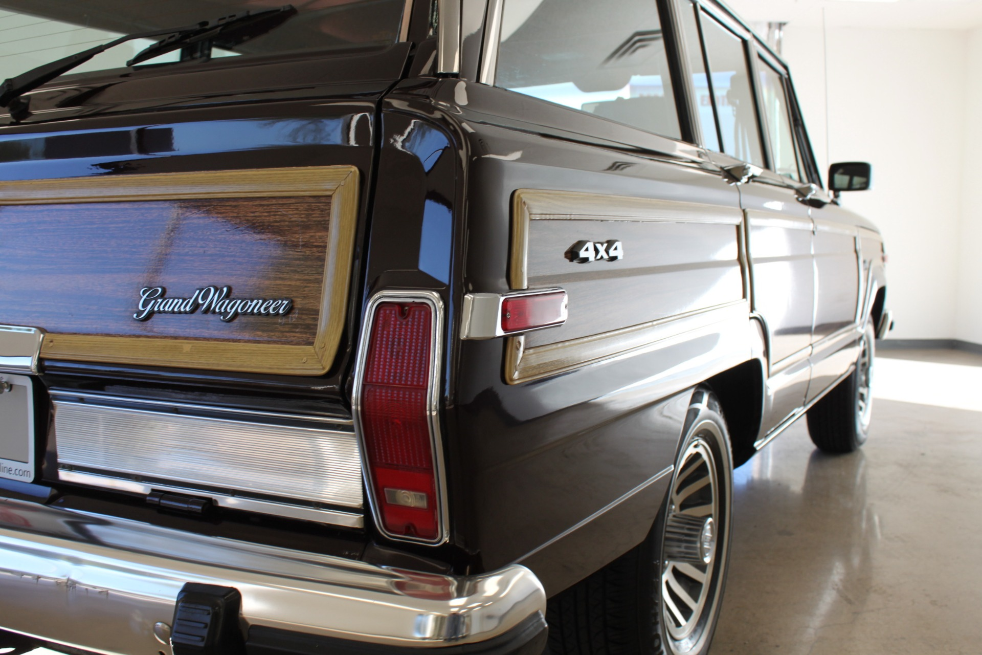 Used-1989-Jeep-Grand-Wagoneer-Limited-4X4-Alfa-Romeo