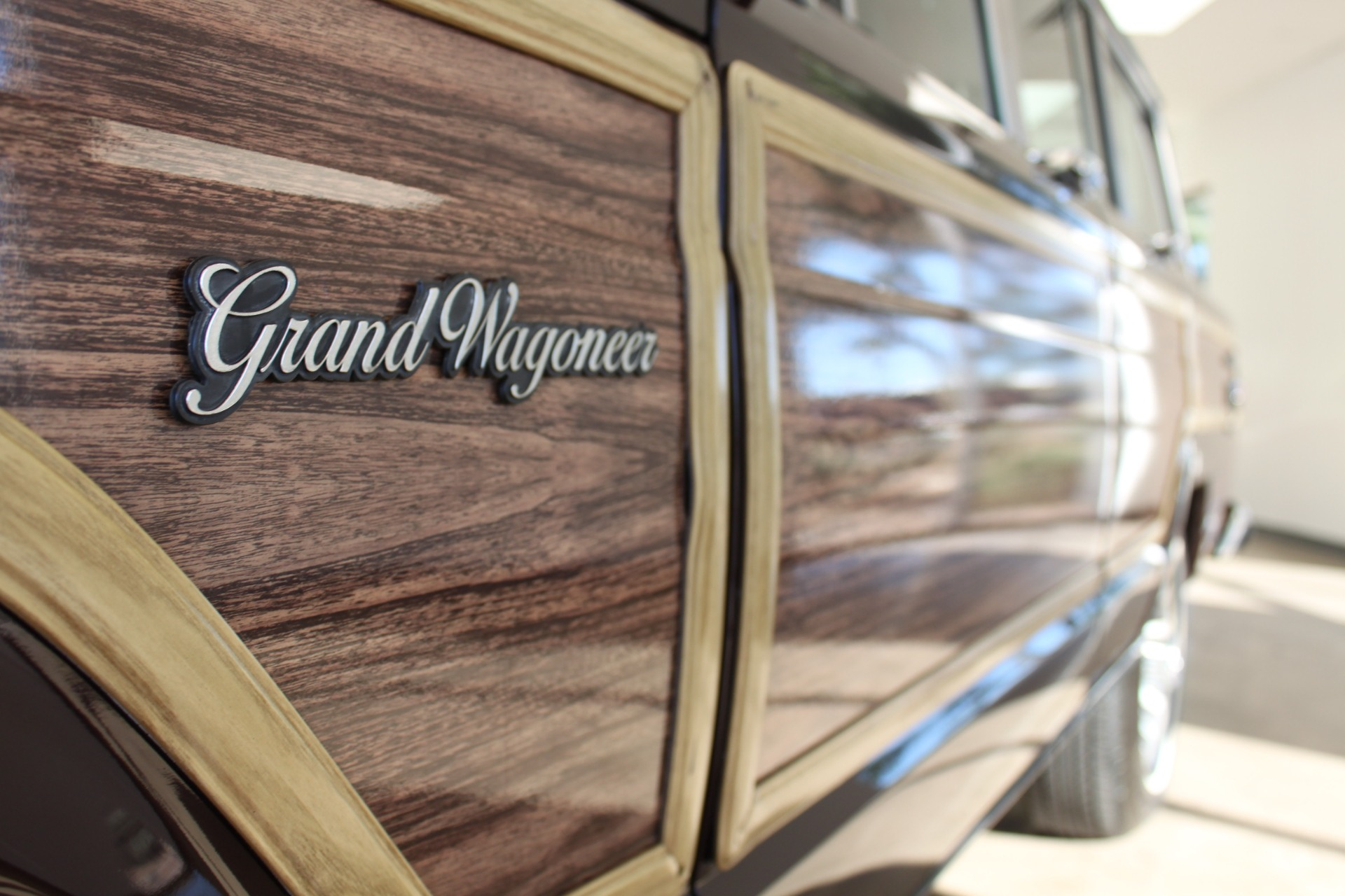 Used-1989-Jeep-Grand-Wagoneer-Limited-4X4-Exotic-Cars-IL