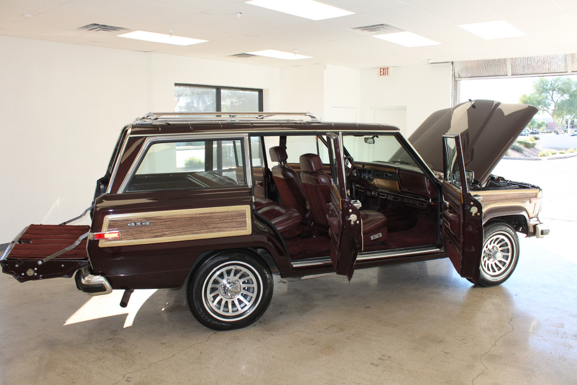Used-1989-Jeep-Grand-Wagoneer-Limited-4X4-Tesla