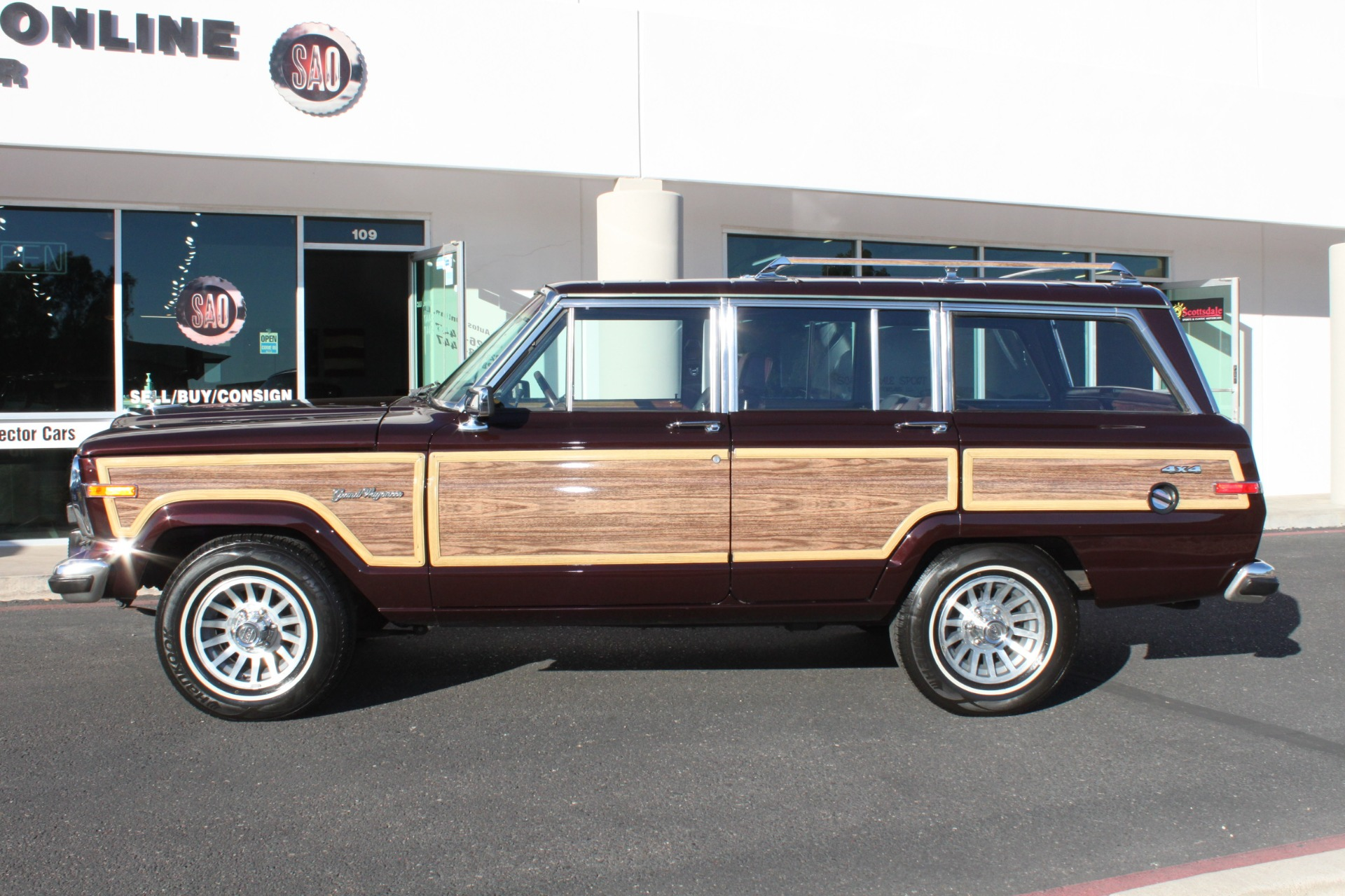 Used-1989-Jeep-Grand-Wagoneer-Limited-4X4-Range-Rover