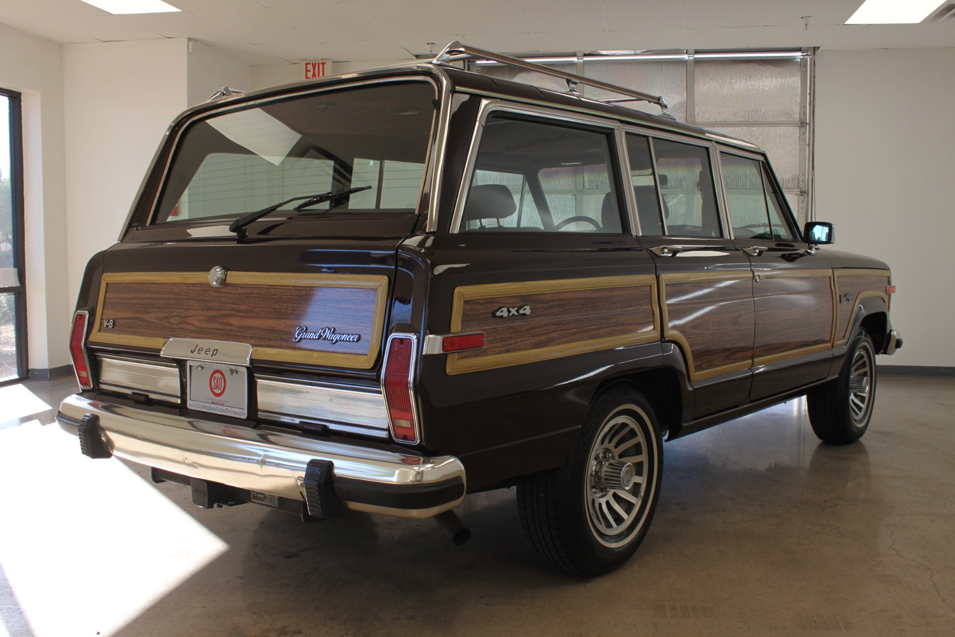 Used-1989-Jeep-Grand-Wagoneer-Limited-4X4-Collector
