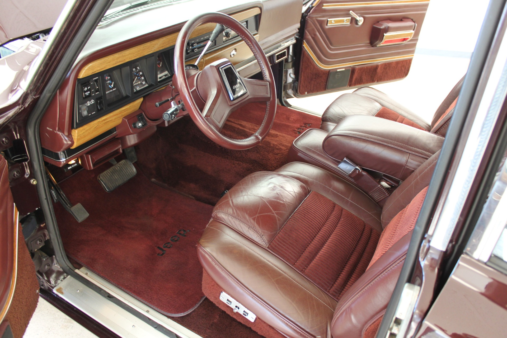 Used-1989-Jeep-Grand-Wagoneer-Limited-4X4-Chevrolet-Dealer-Vernon-Hills