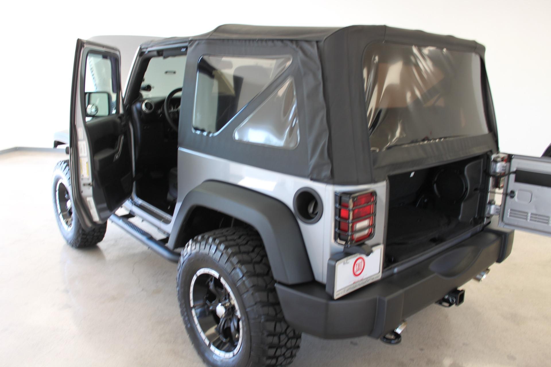 Used-2013-Jeep-Wrangler-Rubicon-LS400