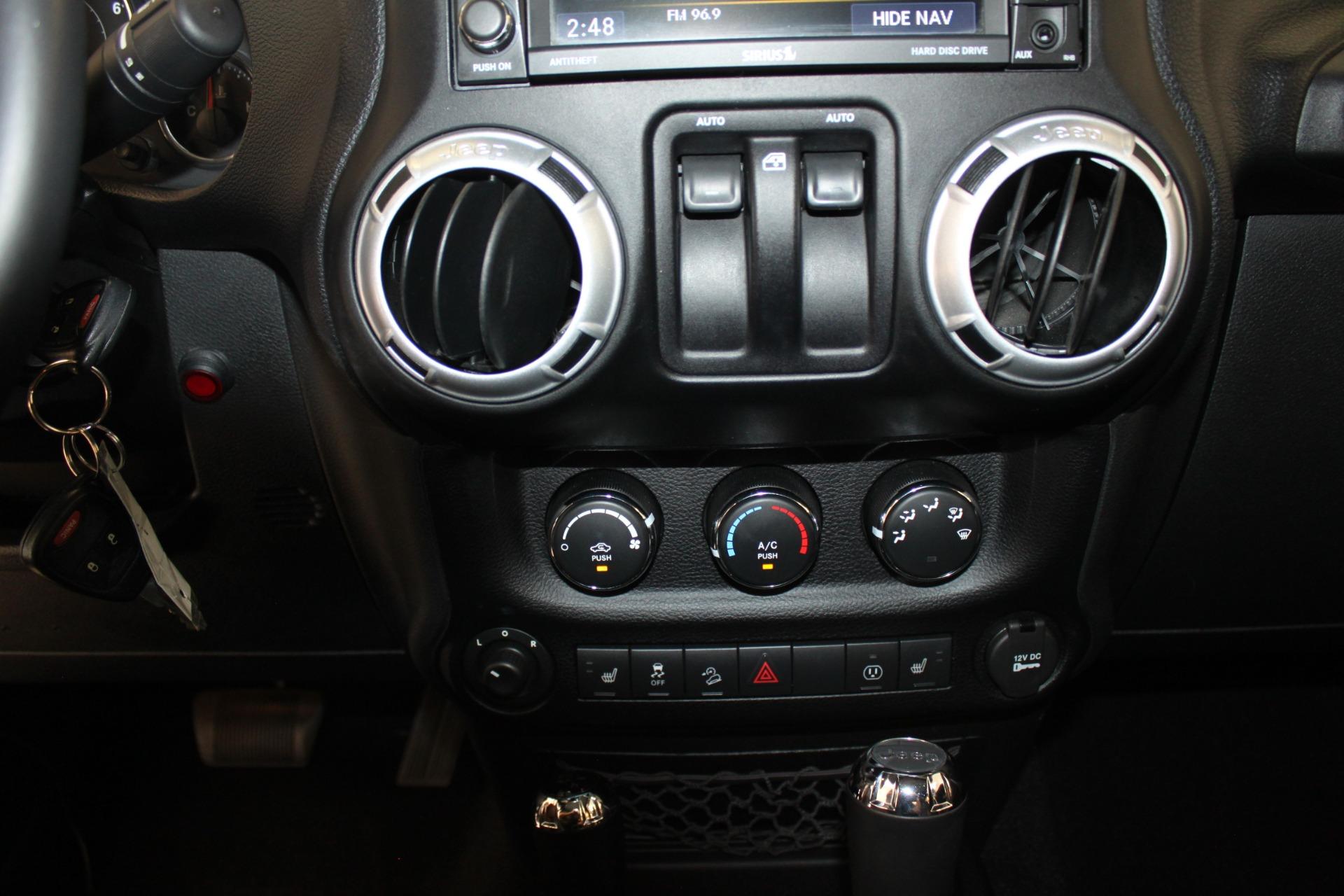 Used-2013-Jeep-Wrangler-Rubicon-Mopar