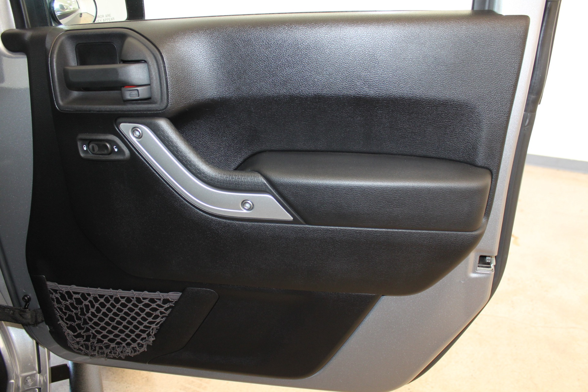 Used-2013-Jeep-Wrangler-Rubicon-Grand-Cherokee