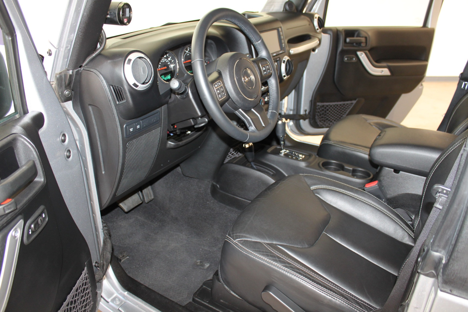 Used-2013-Jeep-Wrangler-Rubicon-Collector