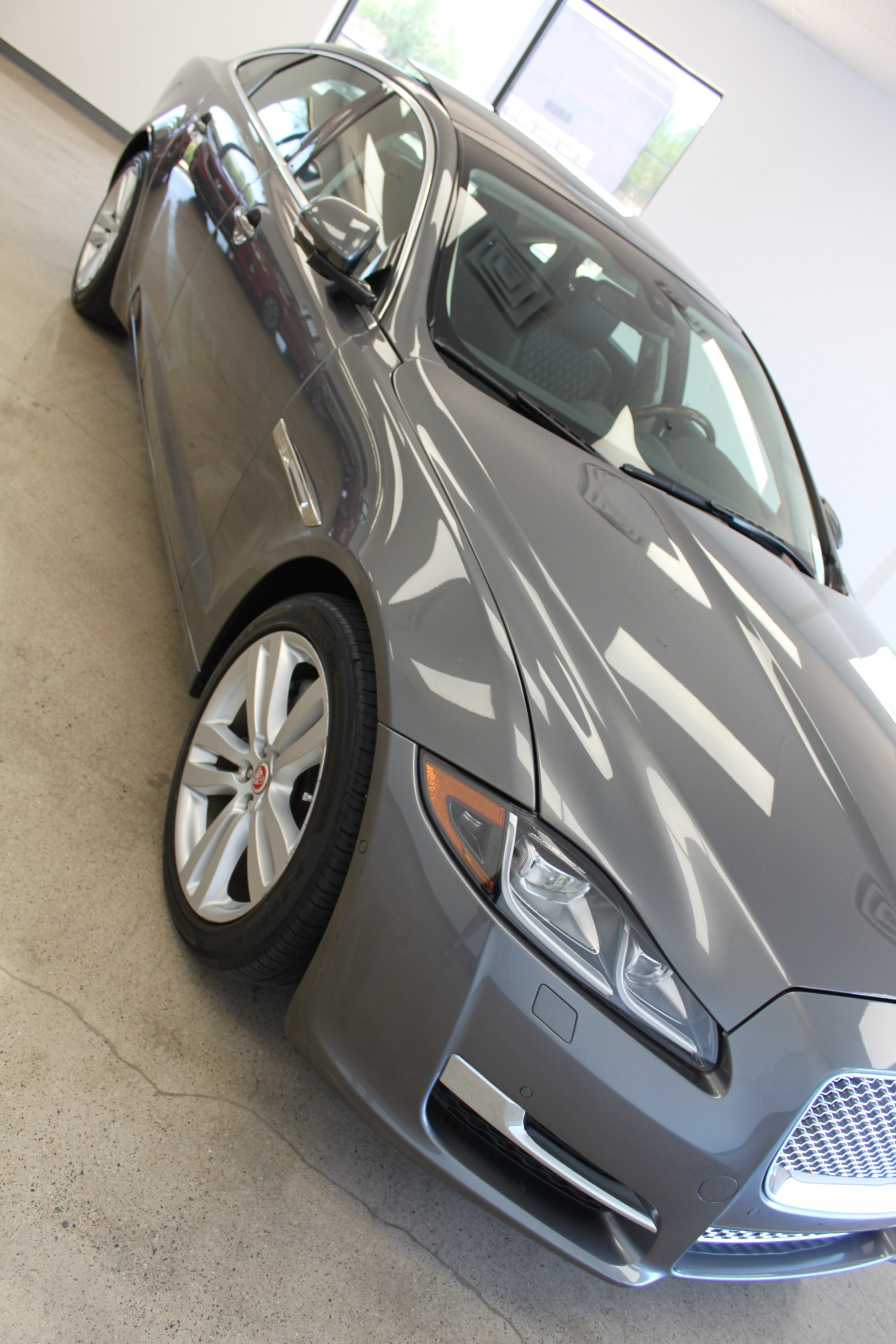 Used-2016-Jaguar-XJ-XJL-Portfolio-Grand-Cherokee