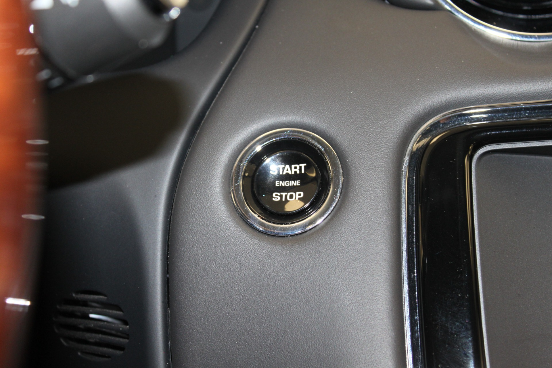 Used-2016-Jaguar-XJ-XJL-Portfolio-vintage