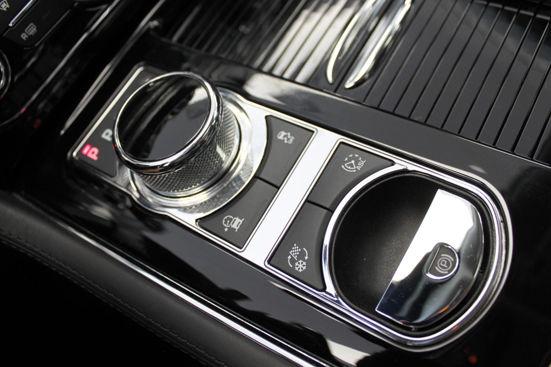 Used-2016-Jaguar-XJ-XJL-Portfolio-4X4