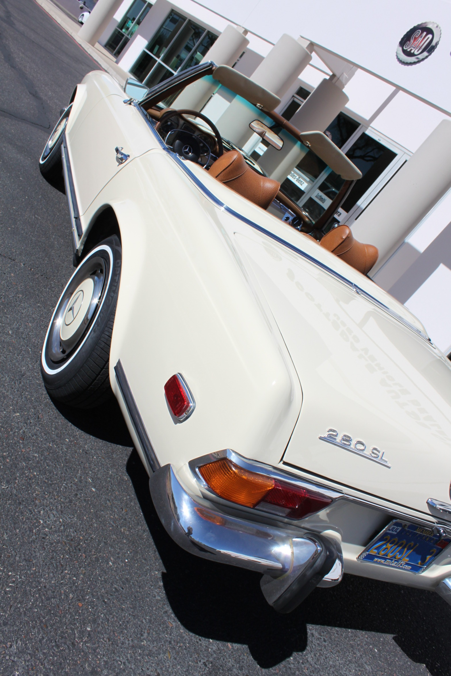 Used-1971-Mercedes-Benz-280SL-Convertible-Classic