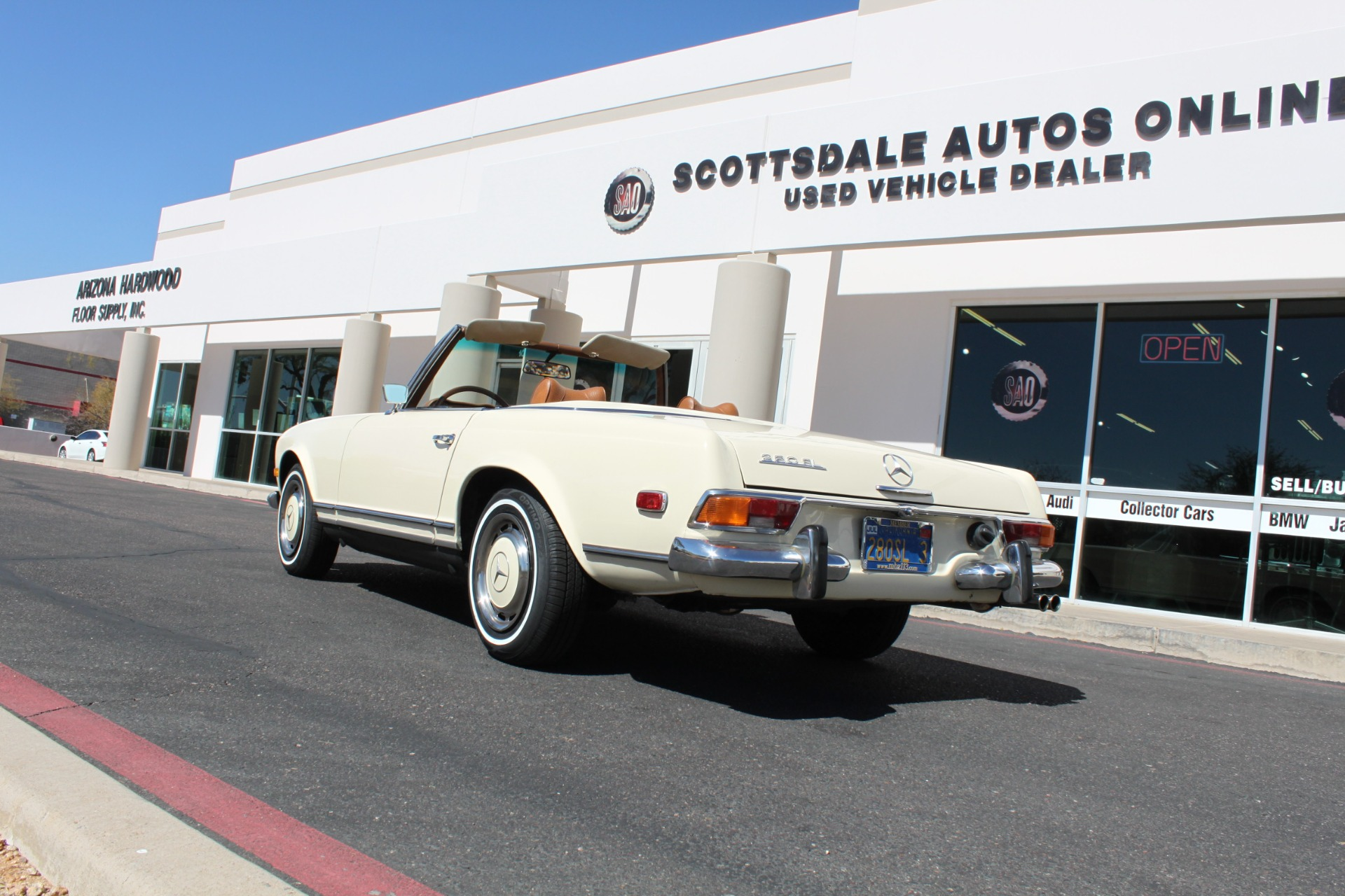 Used-1971-Mercedes-Benz-280SL-Convertible-4X4