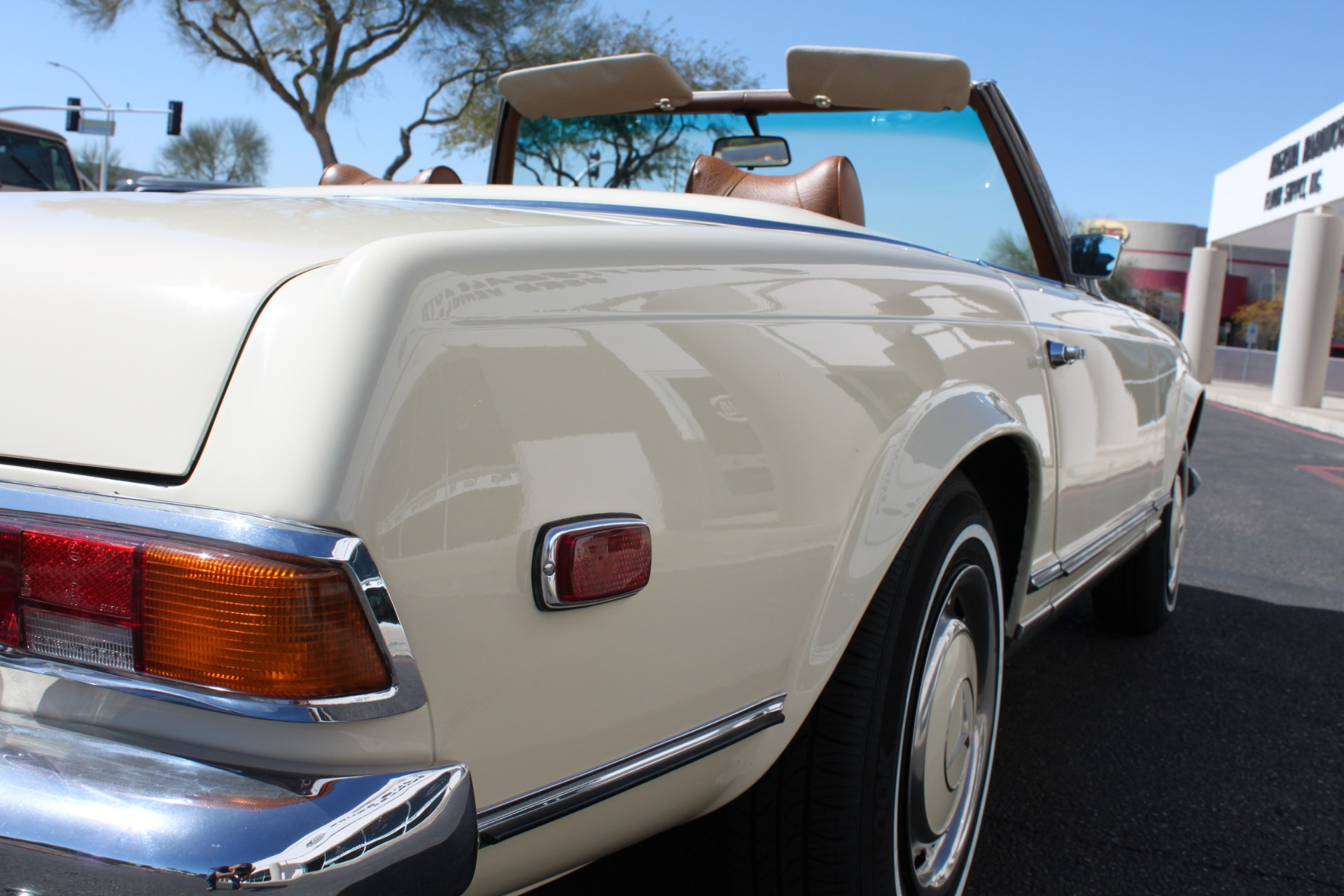 Used-1971-Mercedes-Benz-280SL-Convertible-Chevrolet