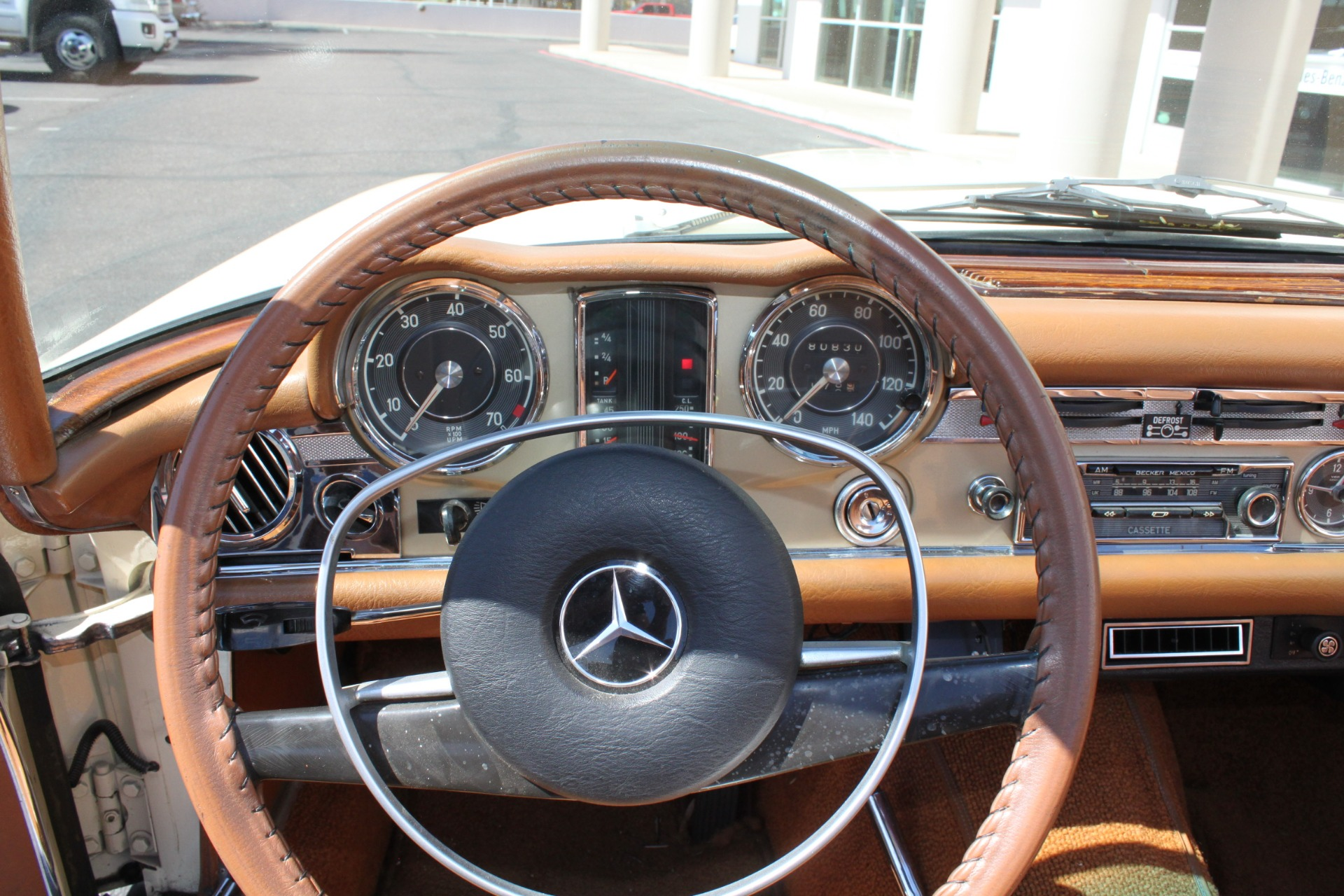 Used-1971-Mercedes-Benz-280SL-Convertible-Honda