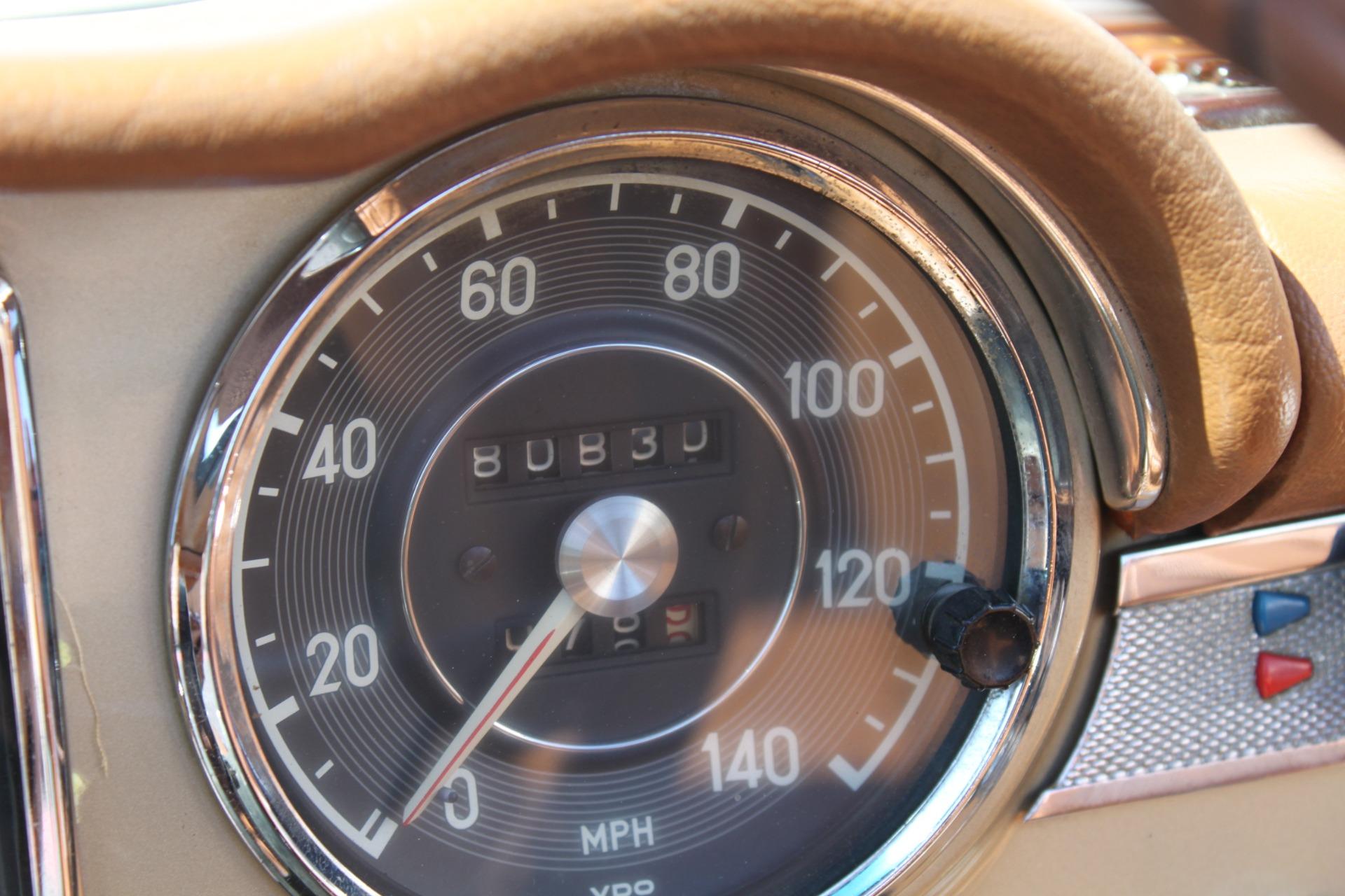 Used-1971-Mercedes-Benz-280SL-Convertible-Ferrari