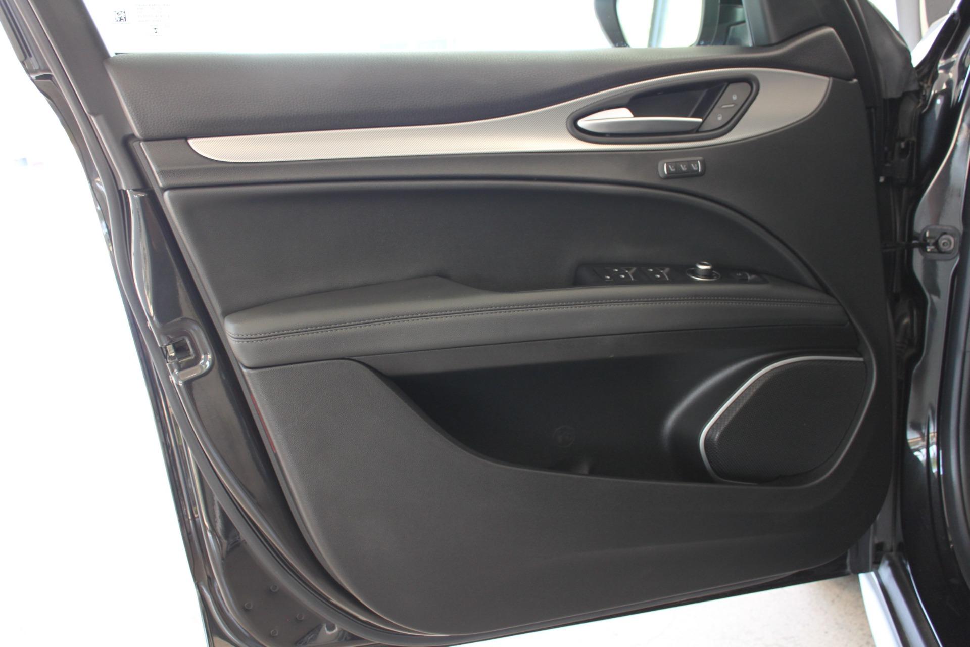 Used-2018-Alfa-Romeo-Stelvio-Sport-AWD-Lincoln