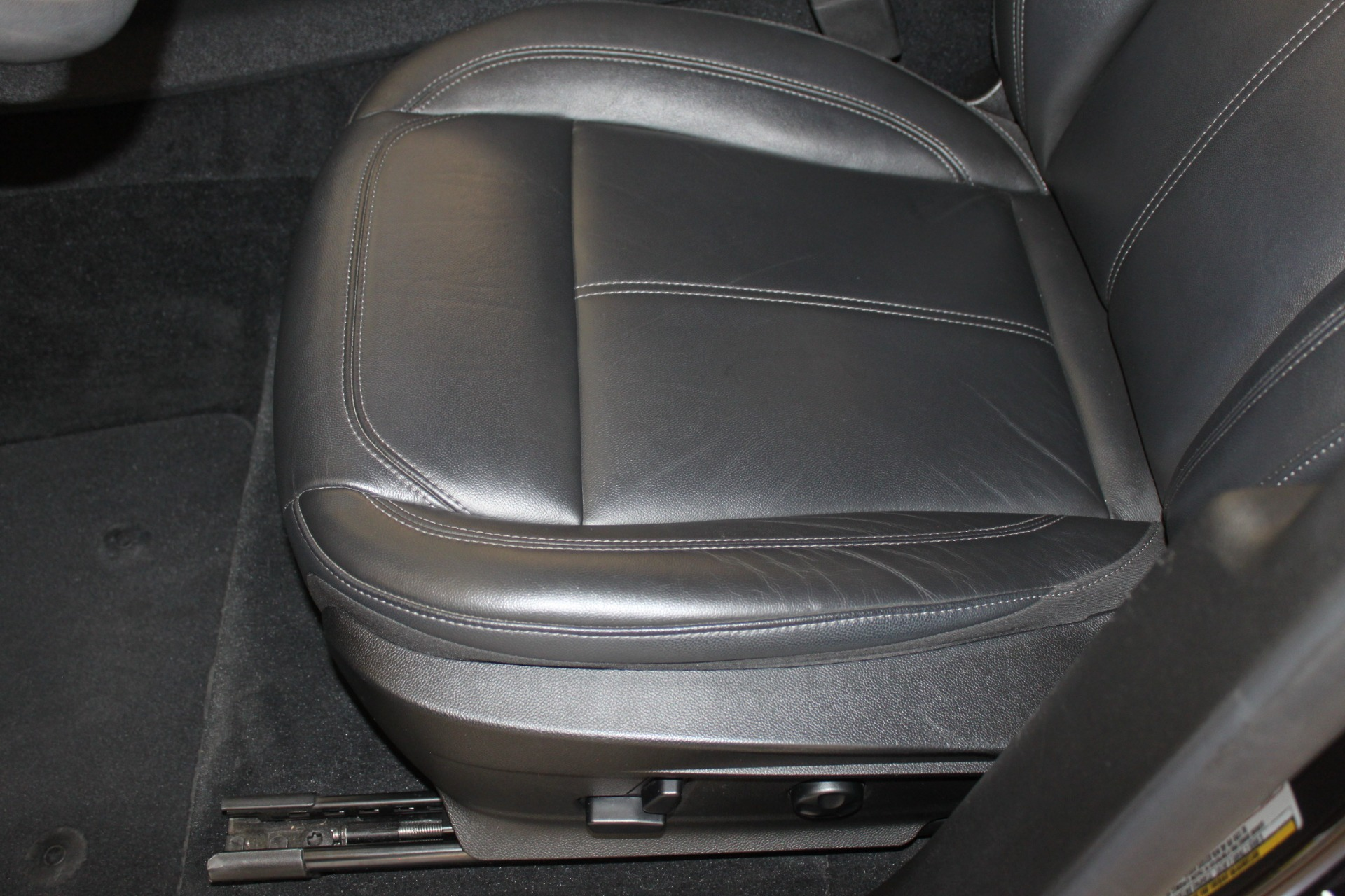 Used-2018-Alfa-Romeo-Stelvio-Sport-AWD-Jeep