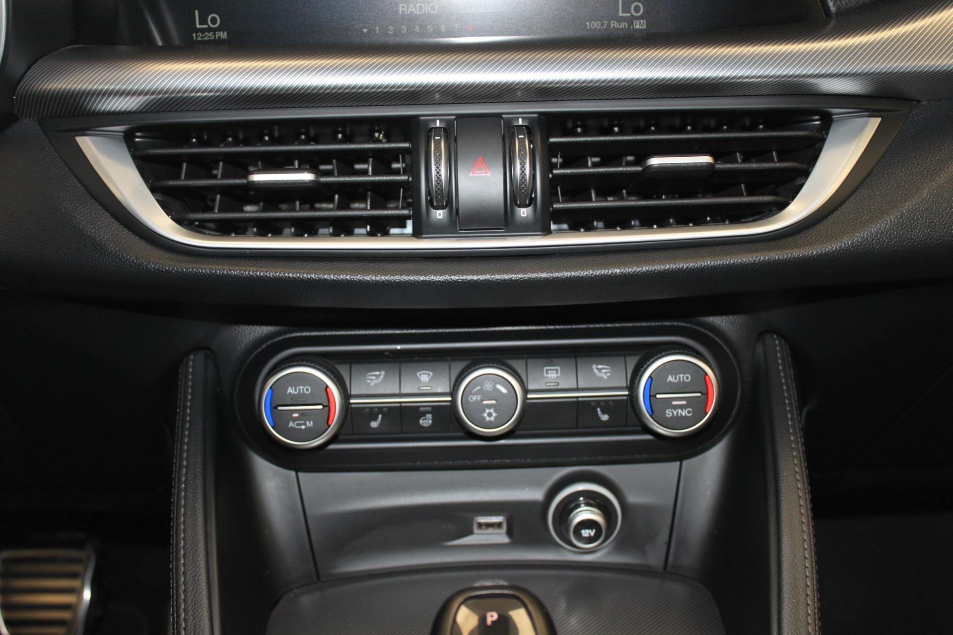 Used-2018-Alfa-Romeo-Stelvio-Sport-AWD-Grand-Cherokee