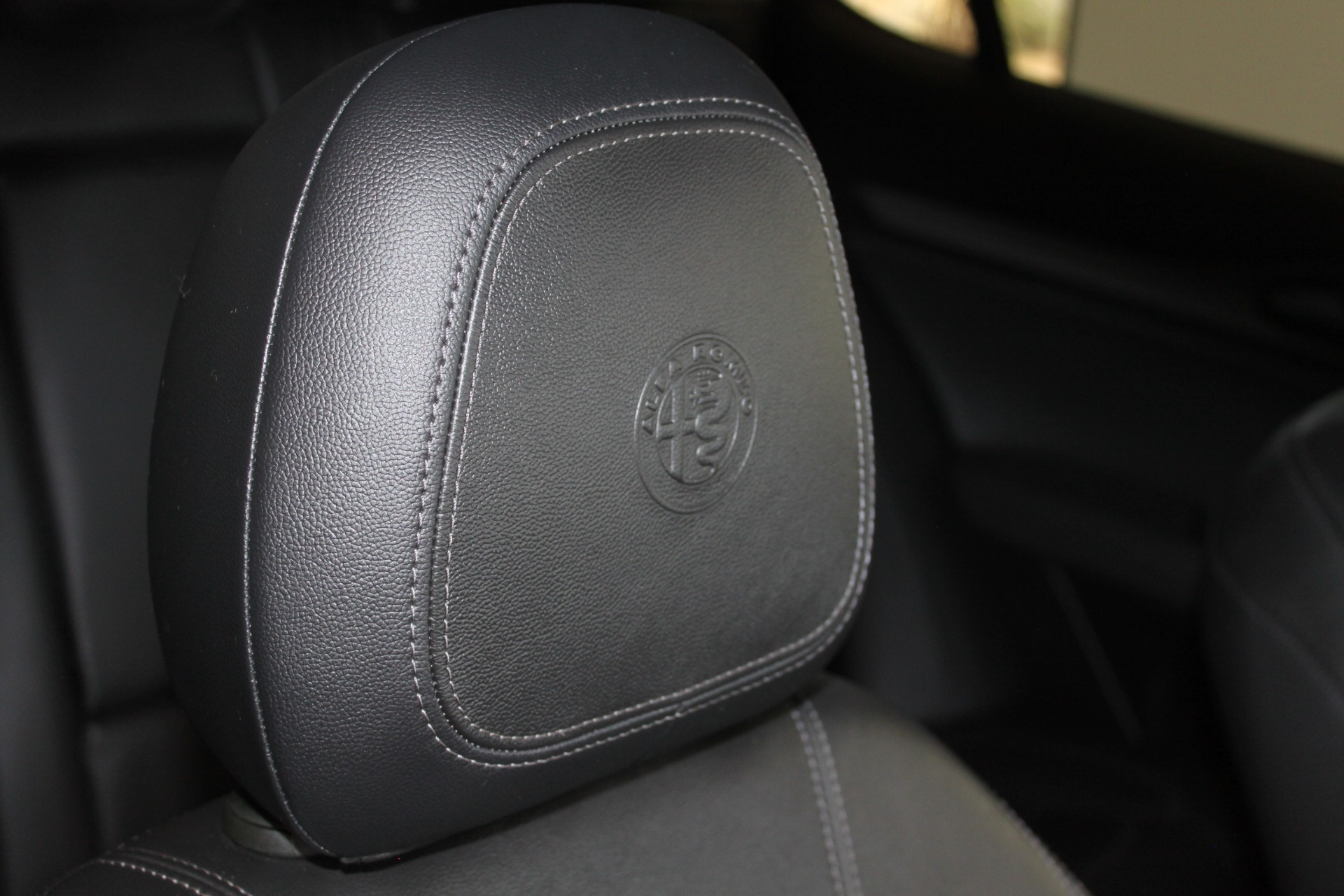 Used-2018-Alfa-Romeo-Stelvio-Sport-AWD-Mini