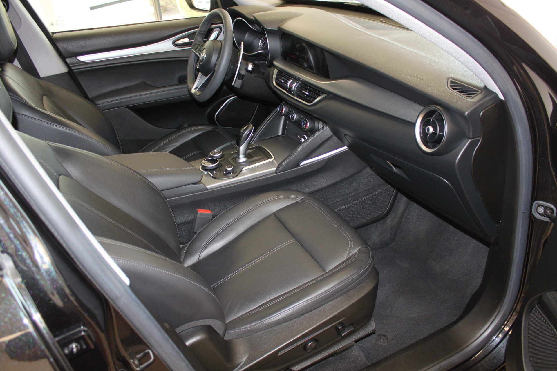 Used-2018-Alfa-Romeo-Stelvio-Sport-AWD-BMW