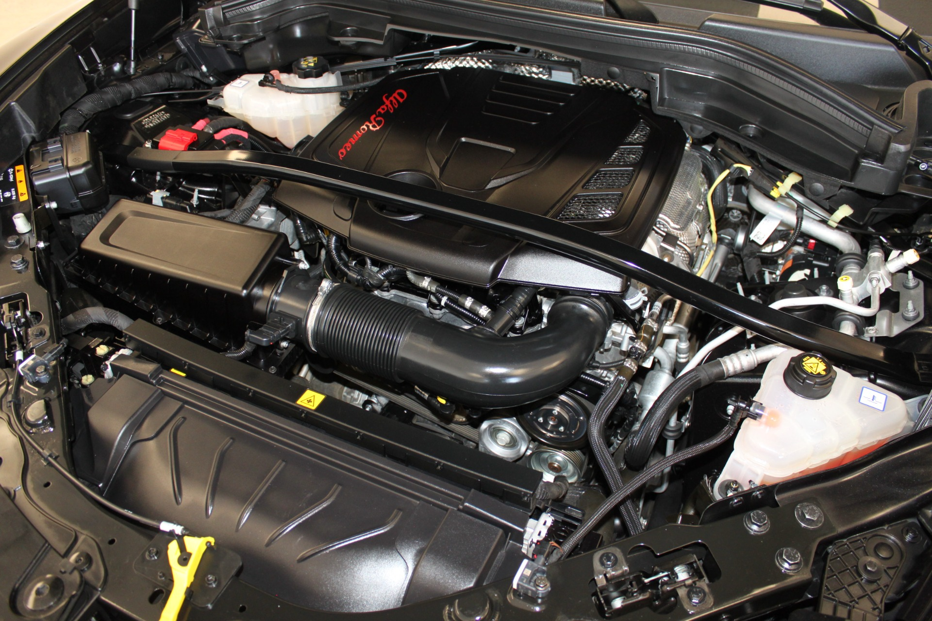 Used-2018-Alfa-Romeo-Stelvio-Sport-AWD-Wagoneer
