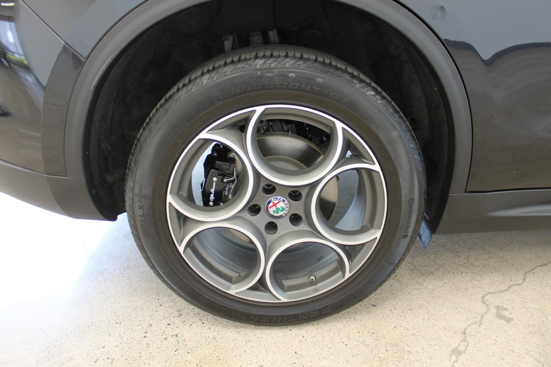 Used-2018-Alfa-Romeo-Stelvio-Sport-AWD-Chrysler