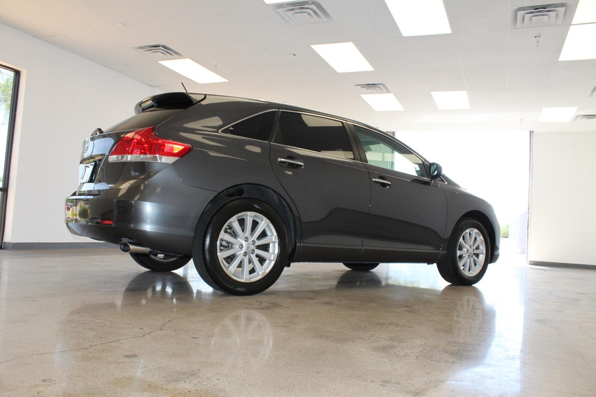 Used-2009-Toyota-Venza-SE-AWD-Land-Cruiser