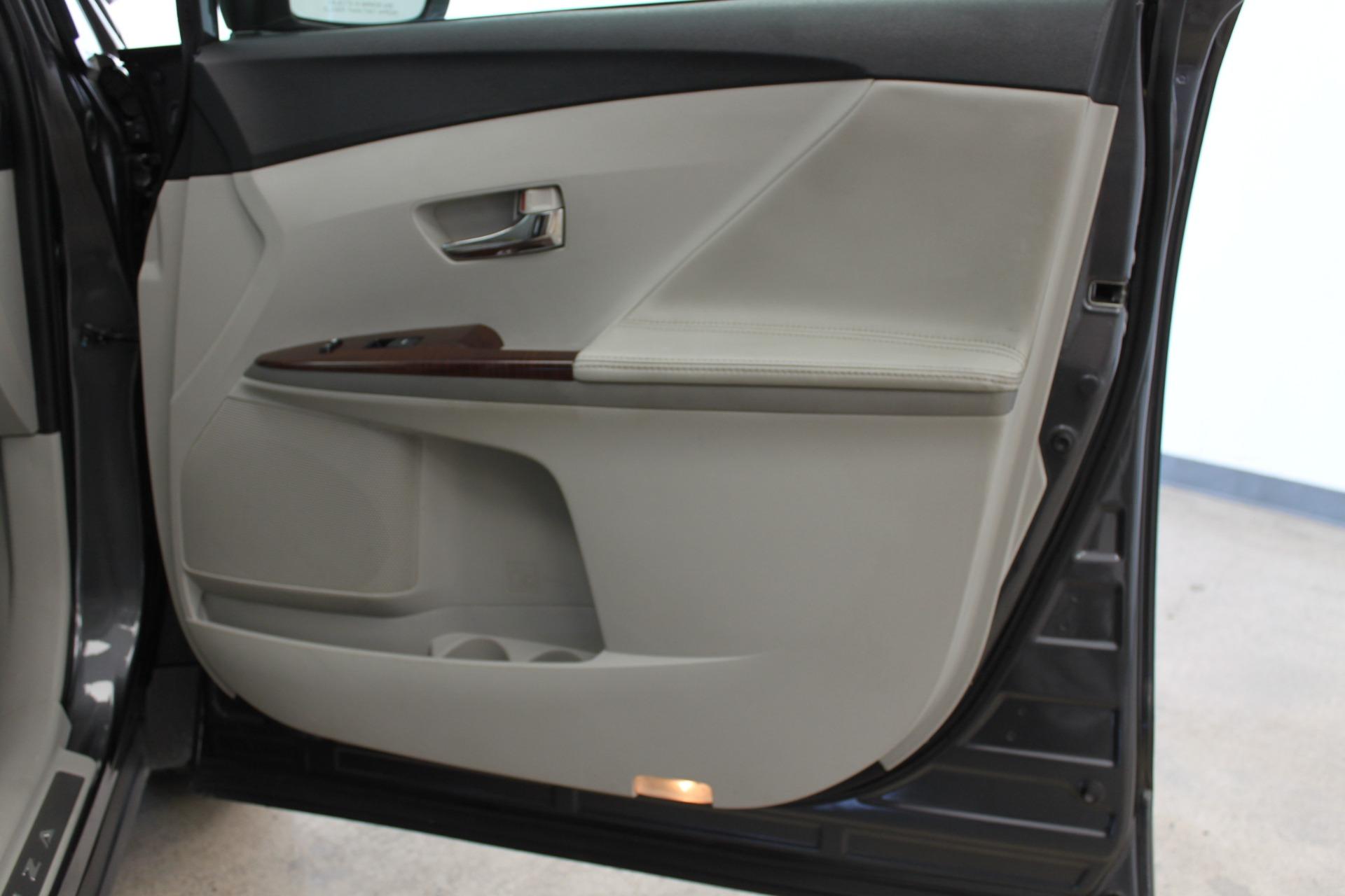 Used-2009-Toyota-Venza-SE-AWD-Acura