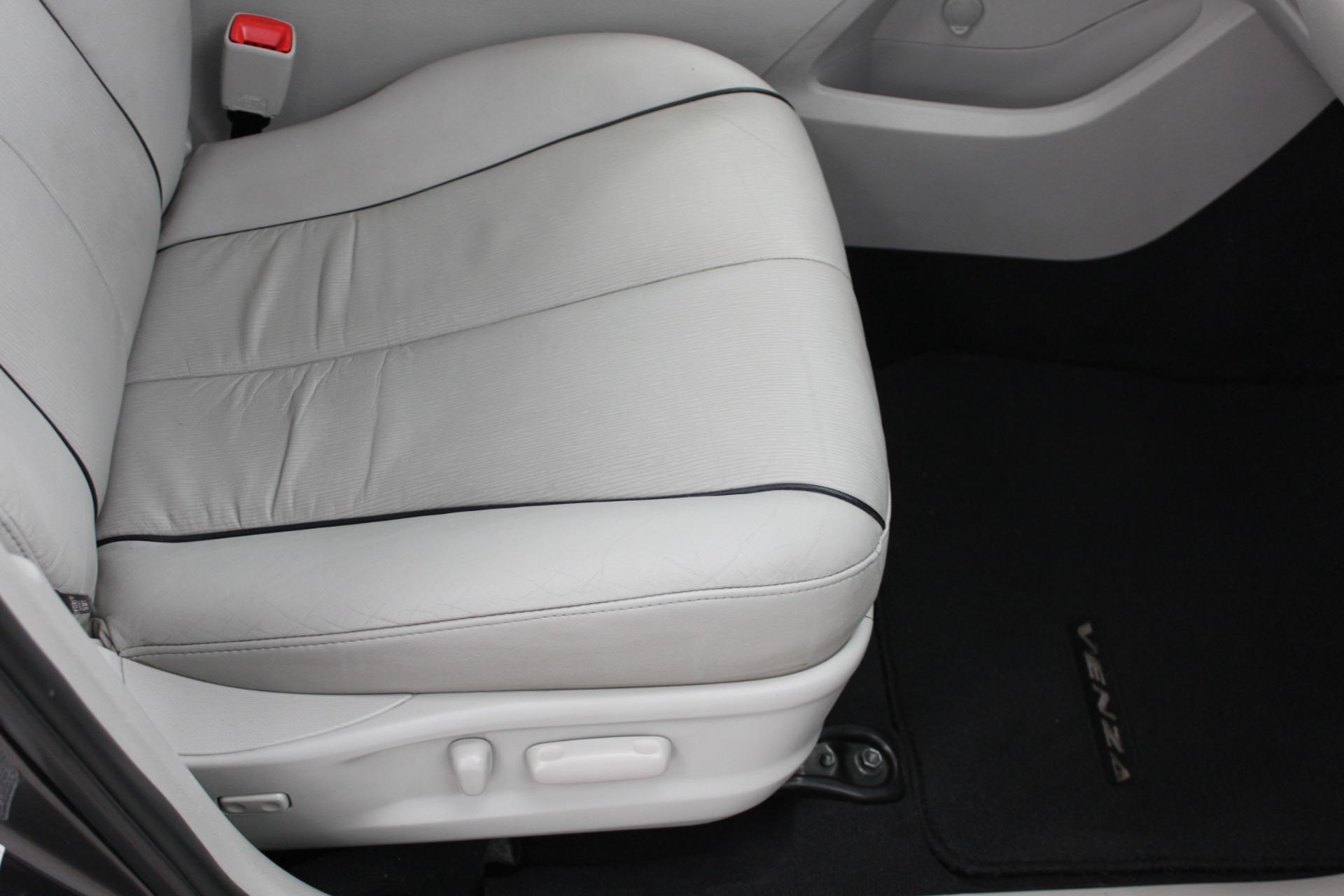 Used-2009-Toyota-Venza-SE-AWD-Chevrolet