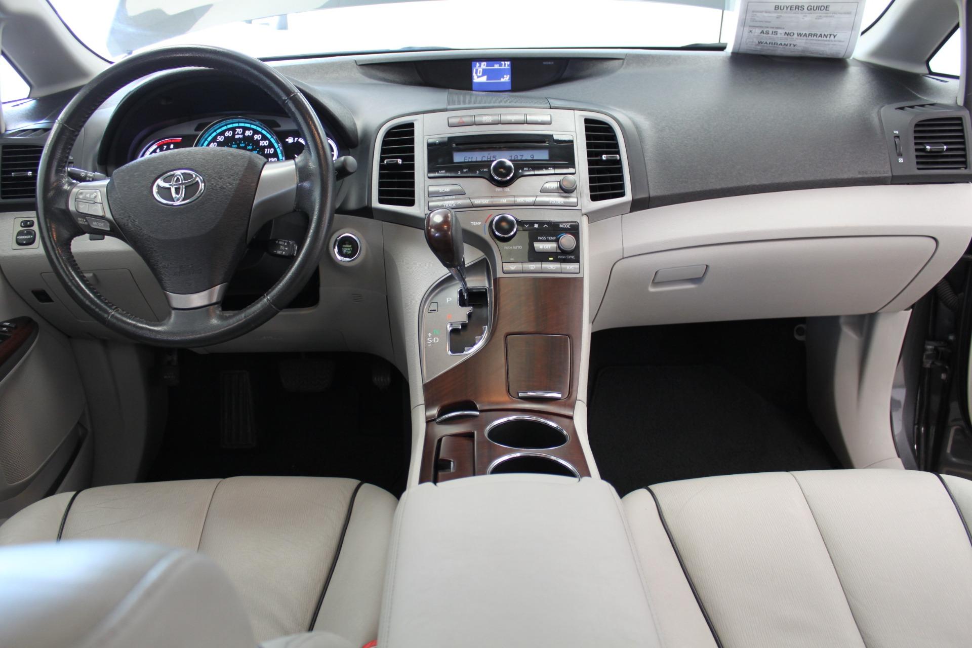 Used-2009-Toyota-Venza-SE-AWD-vintage
