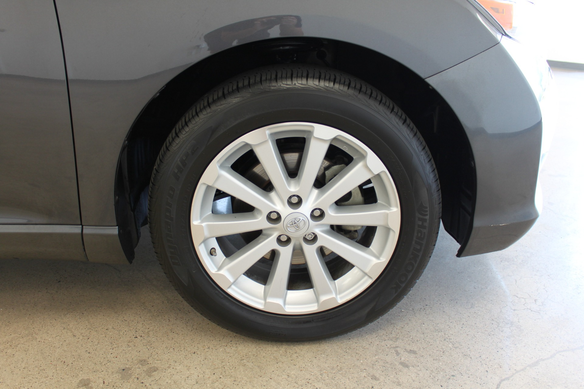 Used-2009-Toyota-Venza-SE-AWD-Land-Rover