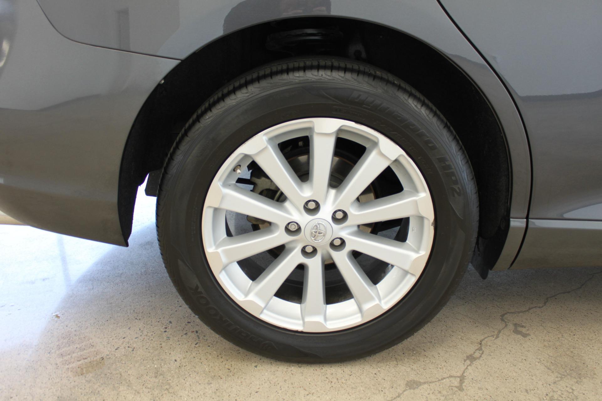 Used-2009-Toyota-Venza-SE-AWD-Wagoneer