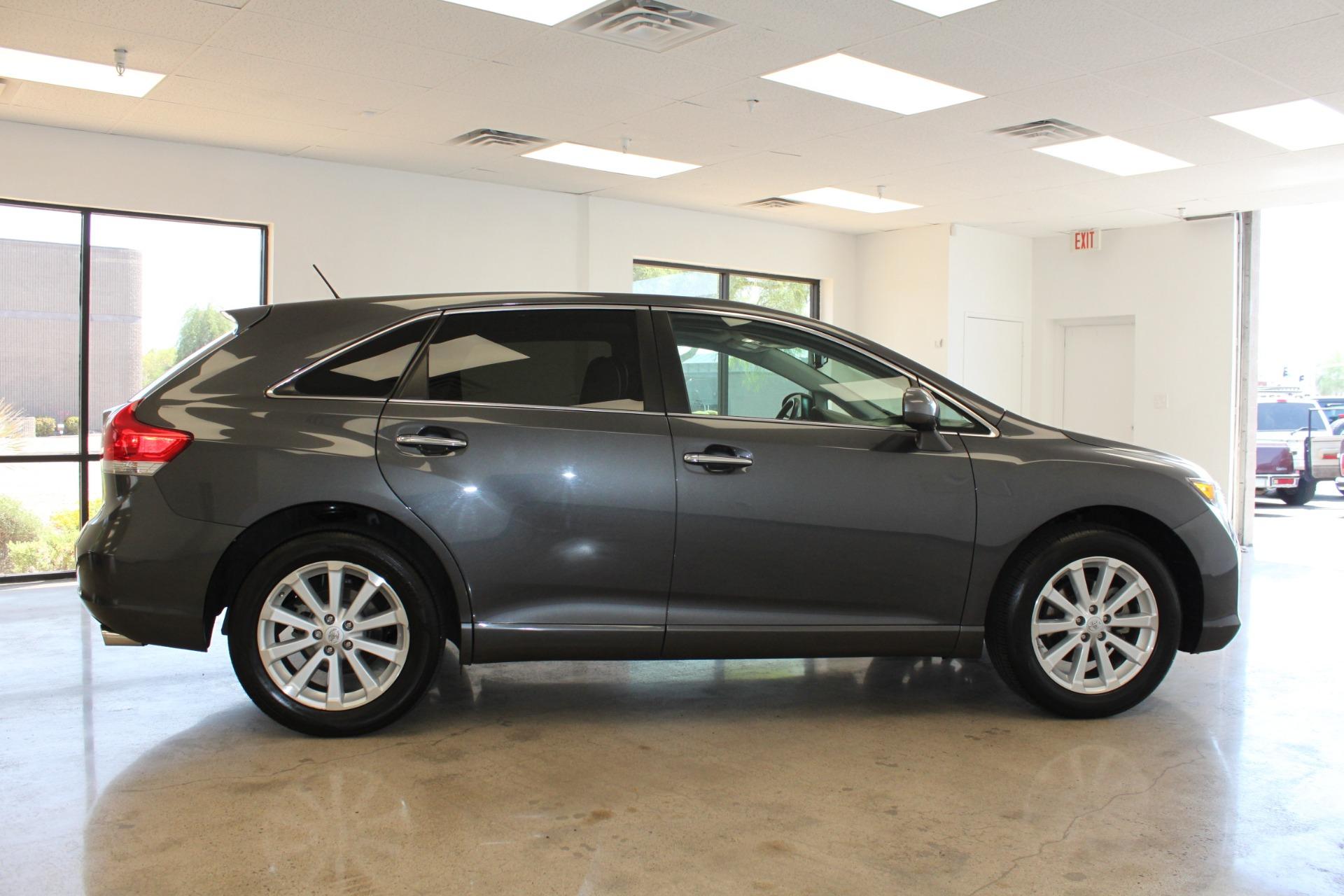 Used-2009-Toyota-Venza-SE-AWD-Chrysler