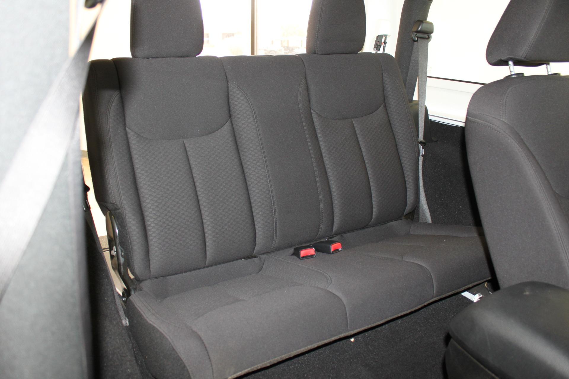 Used-2013-Jeep-Wrangler-Sport-4X4-Land-Cruiser
