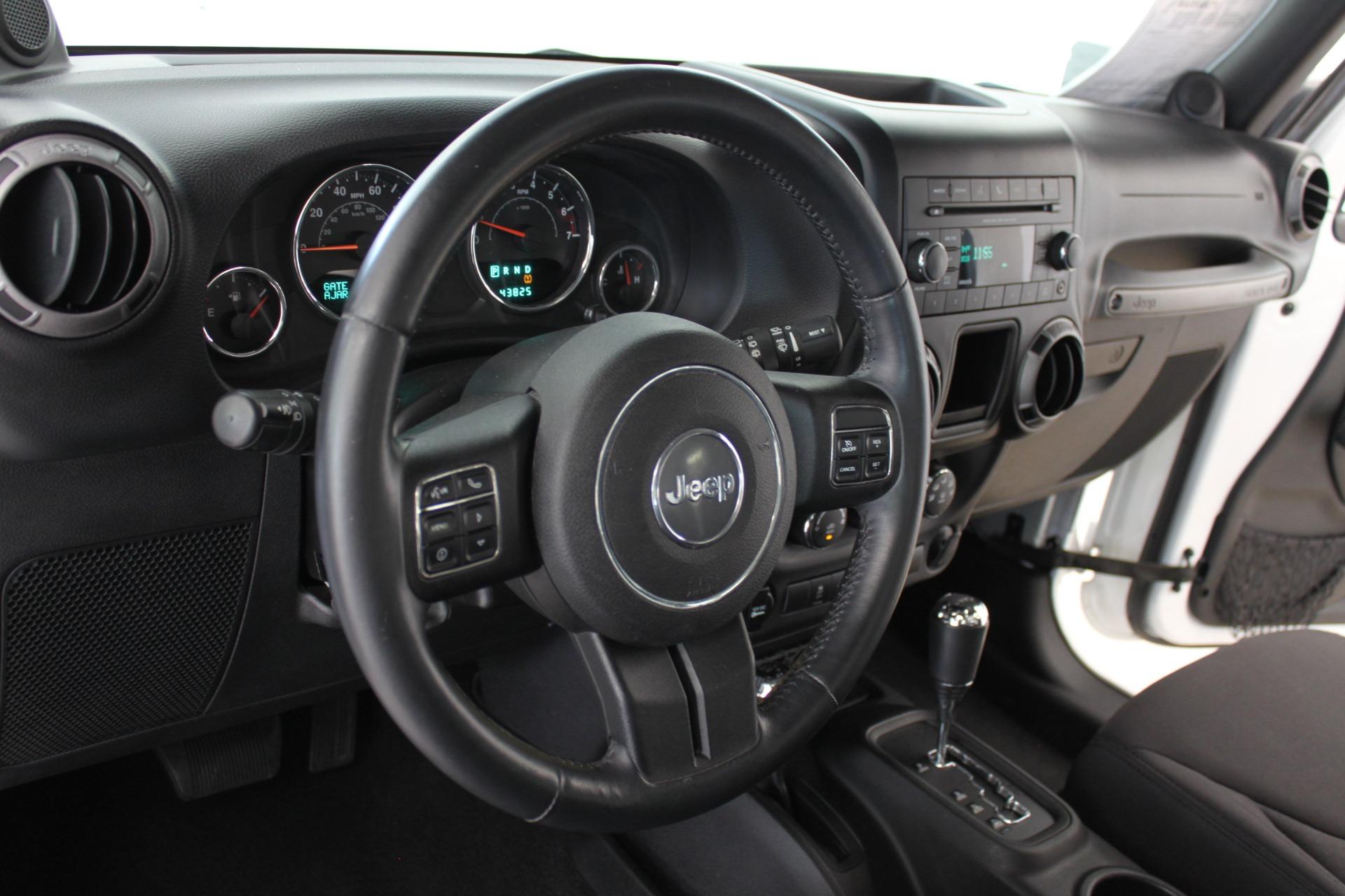 Used-2013-Jeep-Wrangler-Sport-4X4-vintage